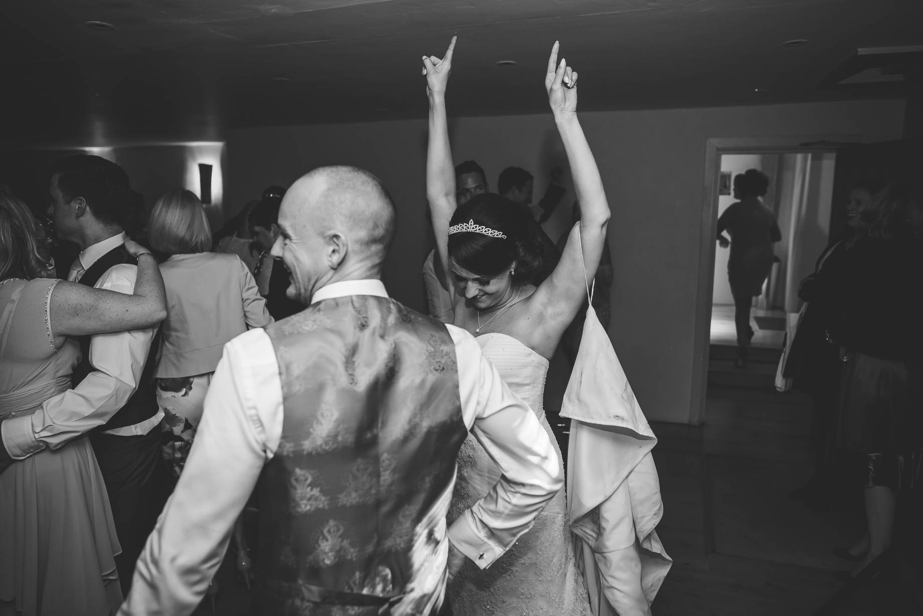 Bury Court Barn wedding photography - Guy Collier Photography - Karen and John (161 of 166)