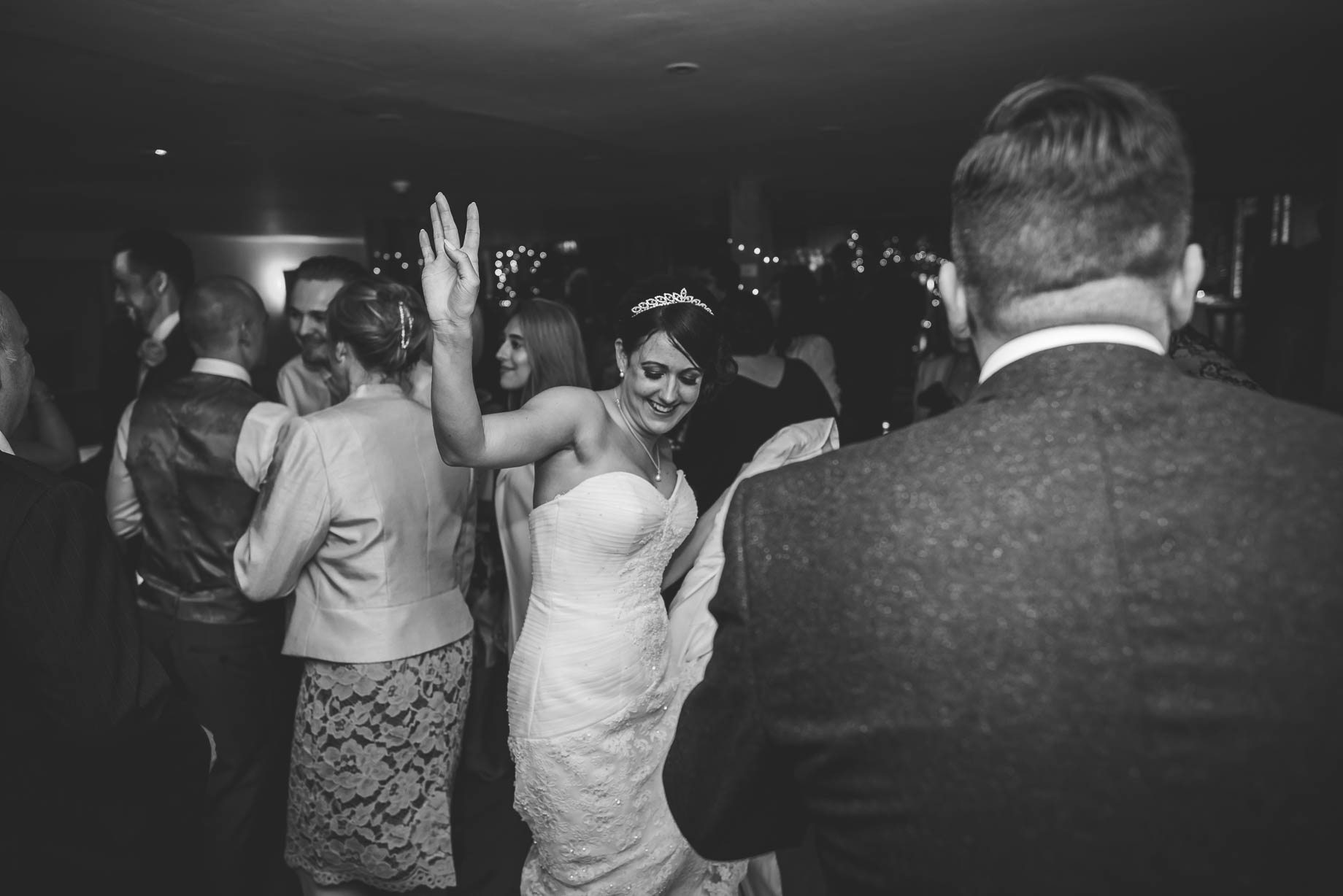 Bury Court Barn wedding photography - Guy Collier Photography - Karen and John (165 of 166)