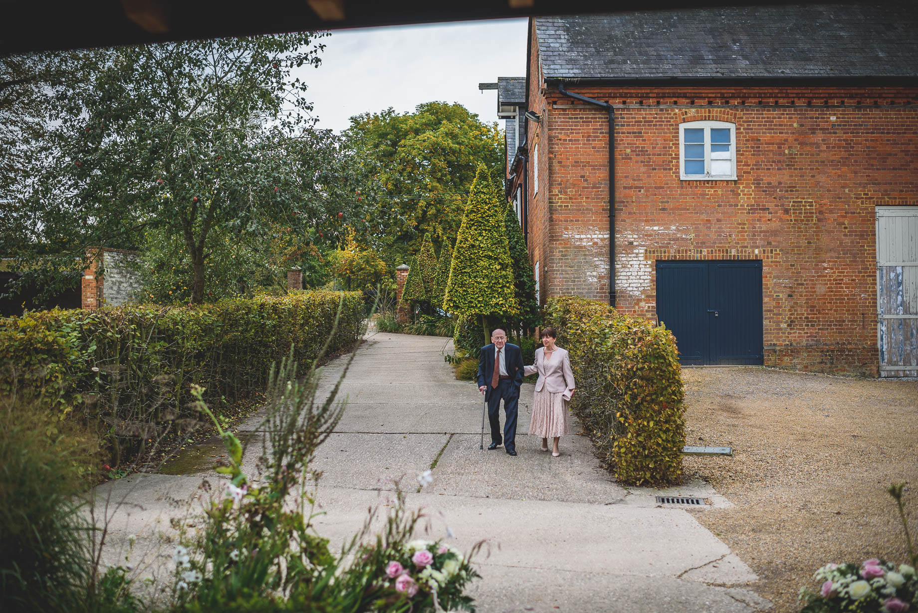 Bury Court Barn wedding photography - Guy Collier Photography - Karen and John (35 of 166)