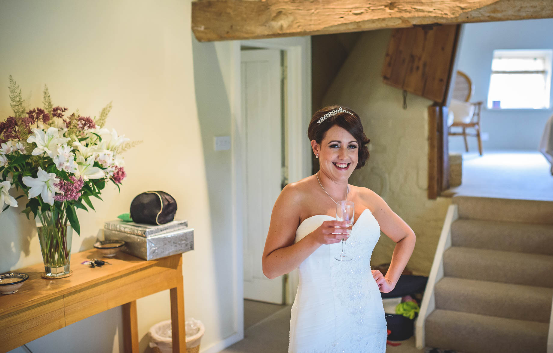 Bury Court Barn wedding photography - Guy Collier Photography - Karen and John (37 of 166)