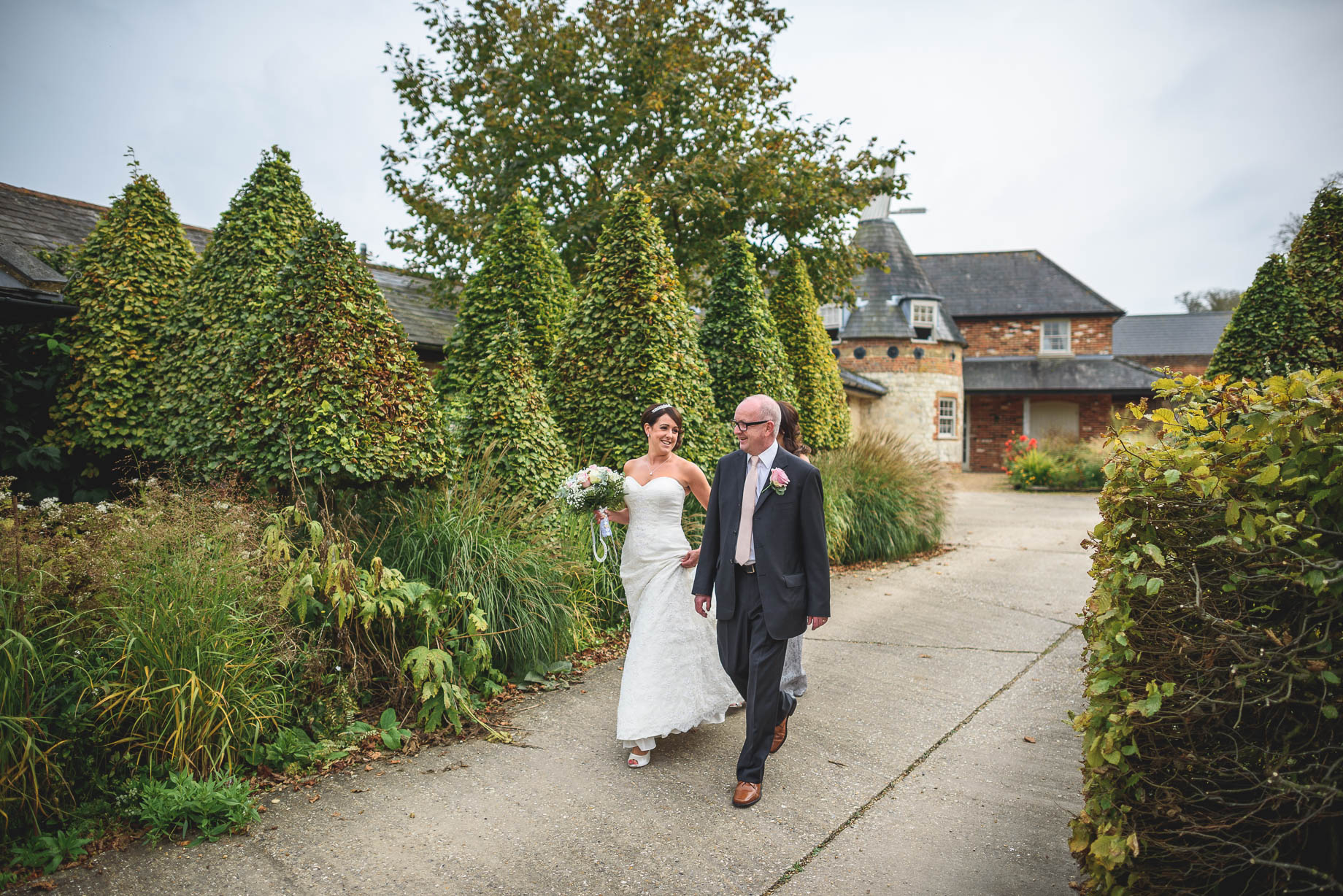Bury Court Barn wedding photography - Guy Collier Photography - Karen and John (47 of 166)