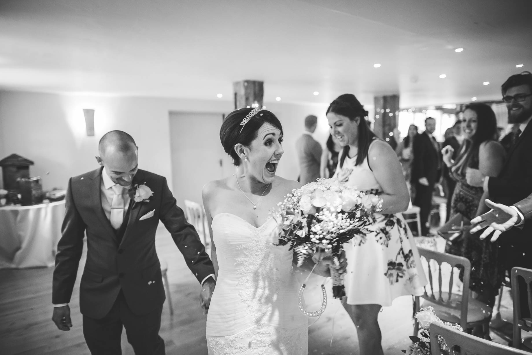 Bury Court Barn wedding photography - Guy Collier Photography - Karen and John (64 of 166)