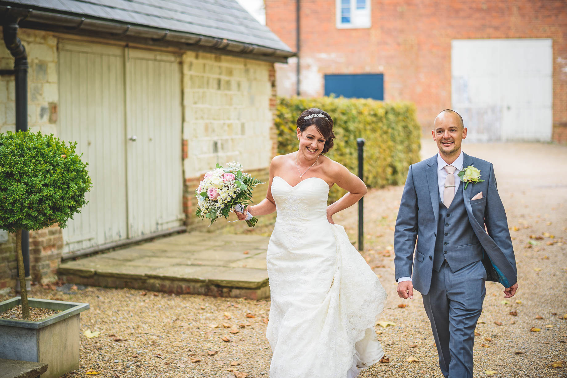 Bury Court Barn wedding photography - Guy Collier Photography - Karen and John (96 of 166)
