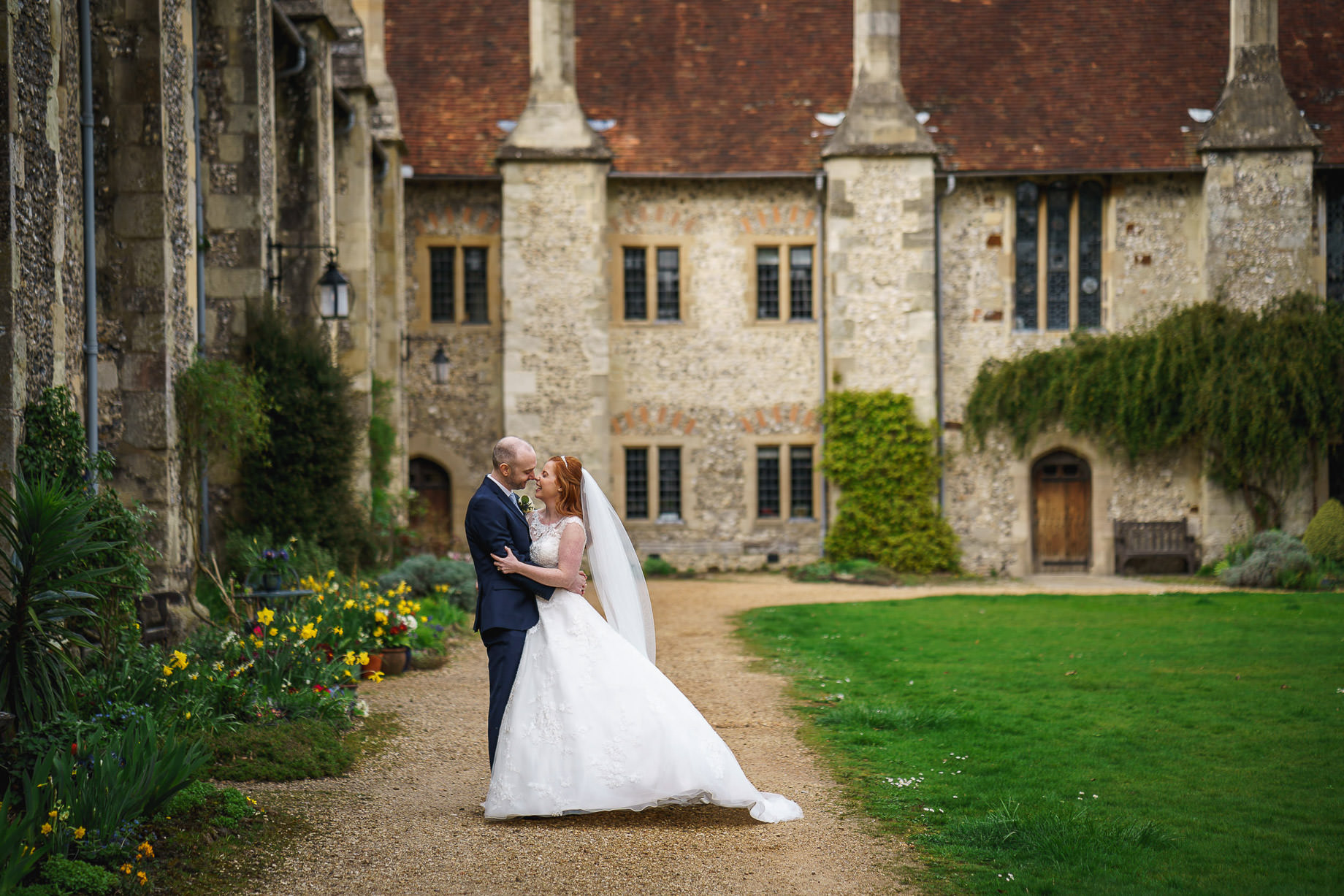 Winchester wedding photography by Guy Collier Photography