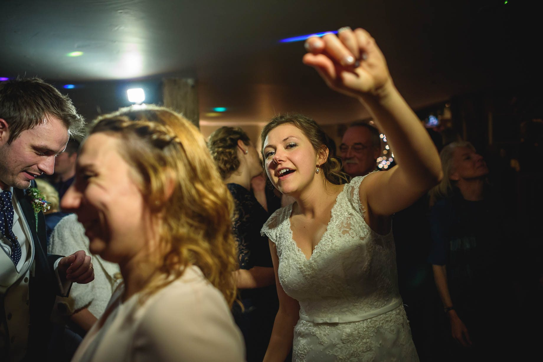 Bury Court Barn wedding photography - Ashley and Henry by Guy Collier Photography (185 of 188)