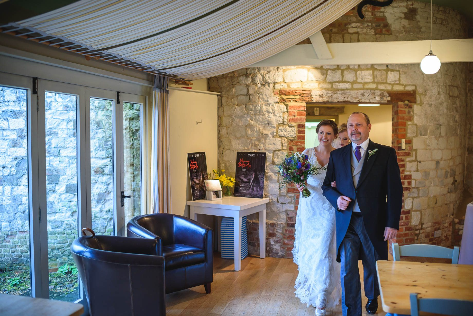 Bury Court Barn wedding photography - Ashley and Henry by Guy Collier Photography (36 of 188)