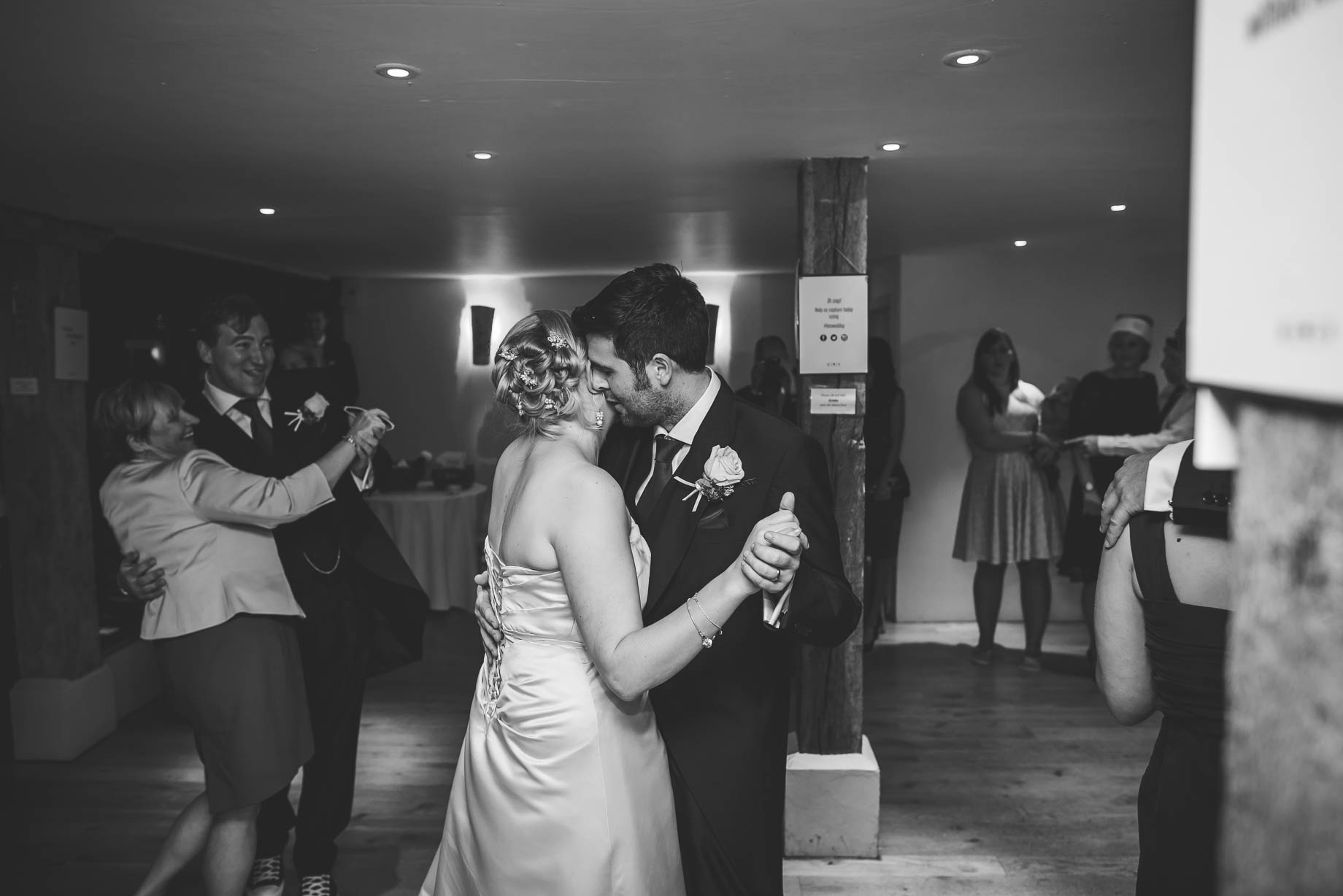 Bury Court Barn wedding photography - Guy Collier - Hannah and Mark (170 of 191)