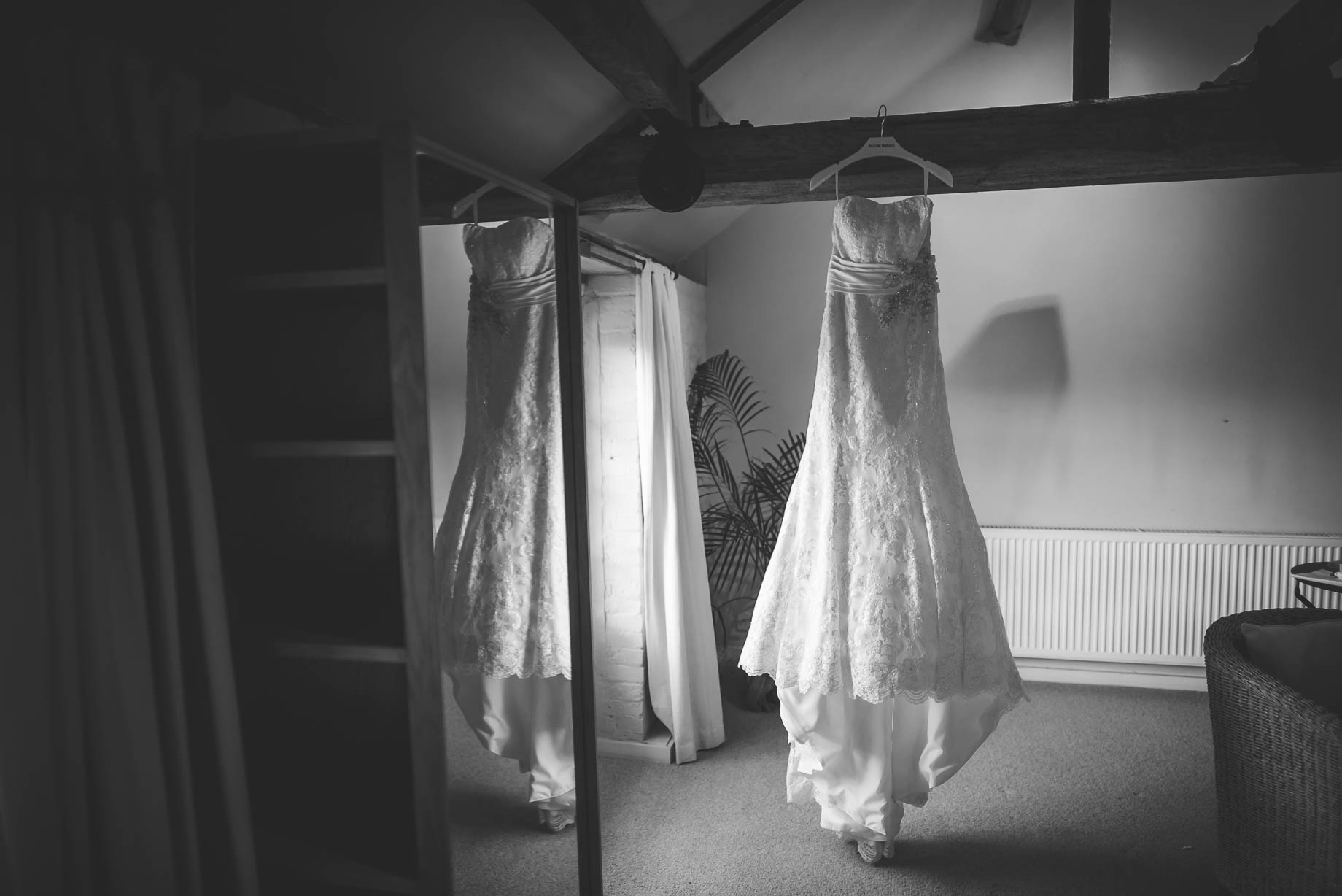 Bury Court Barn wedding photography - Guy Collier - Kate and Russ (38 of 187)