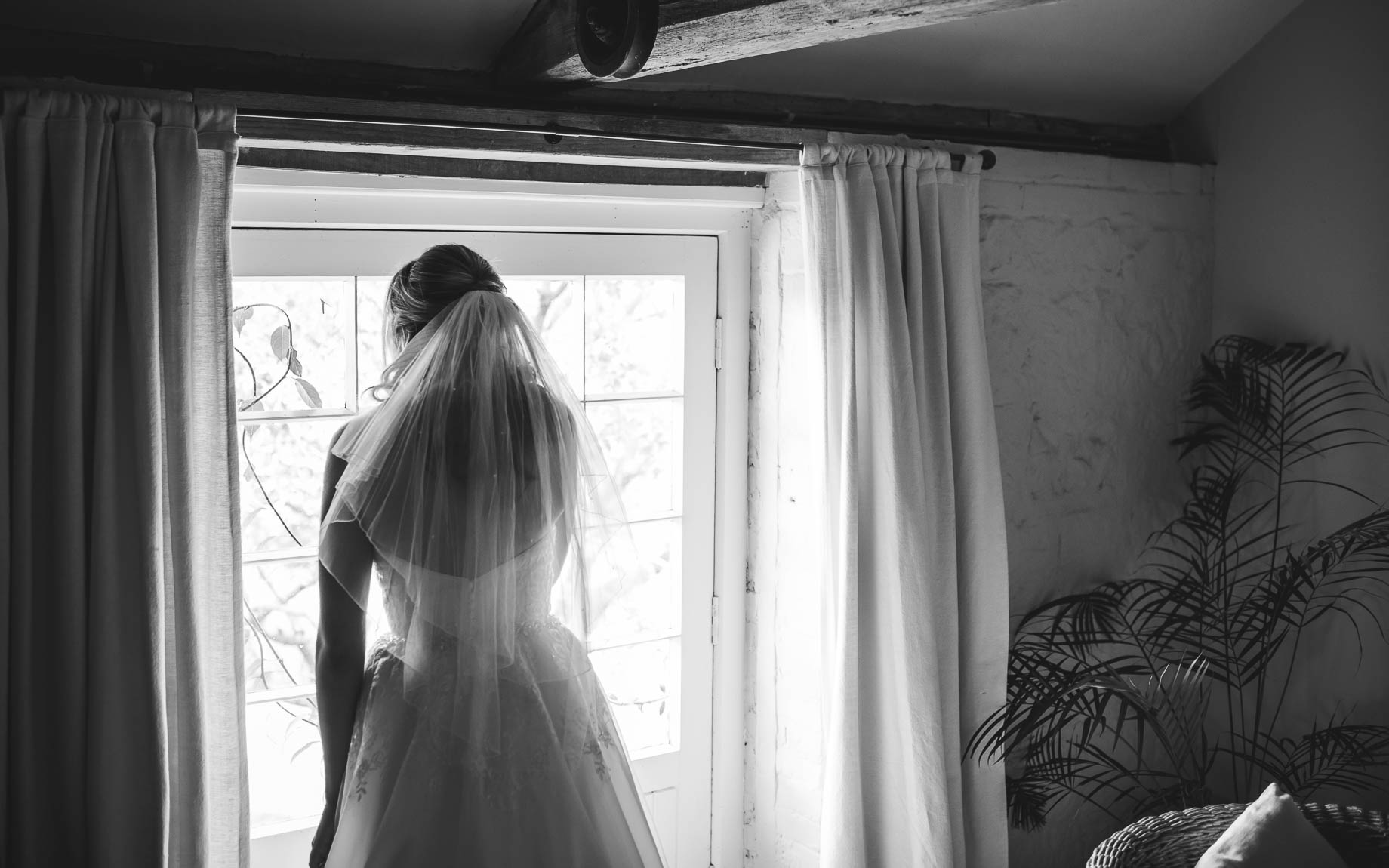 Bury Court Barn wedding photography - Guy Collier - Kirsty and Lewis (36 of 150)