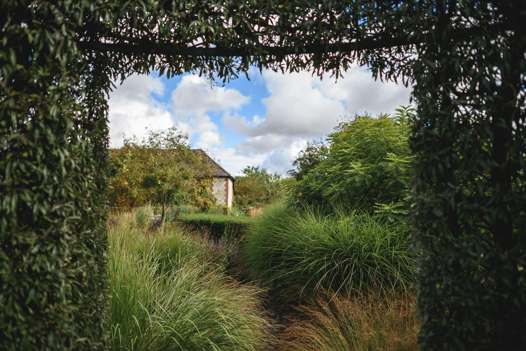 bury-court-barn-wedding-photography-guy-collier-photography-nadia-tom-1-of-184