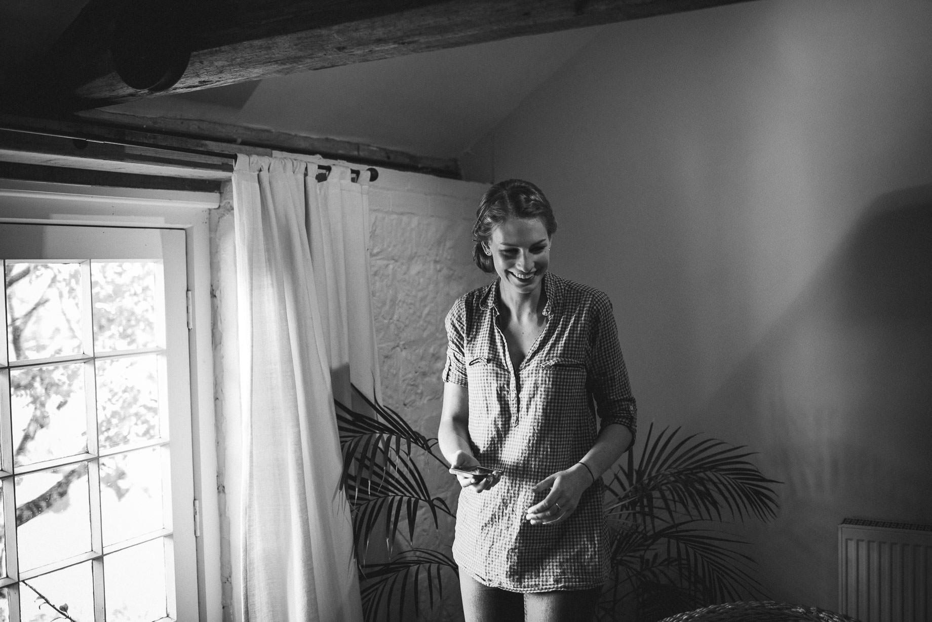 bury-court-barn-wedding-photography-guy-collier-photography-nadia-tom-18-of-184