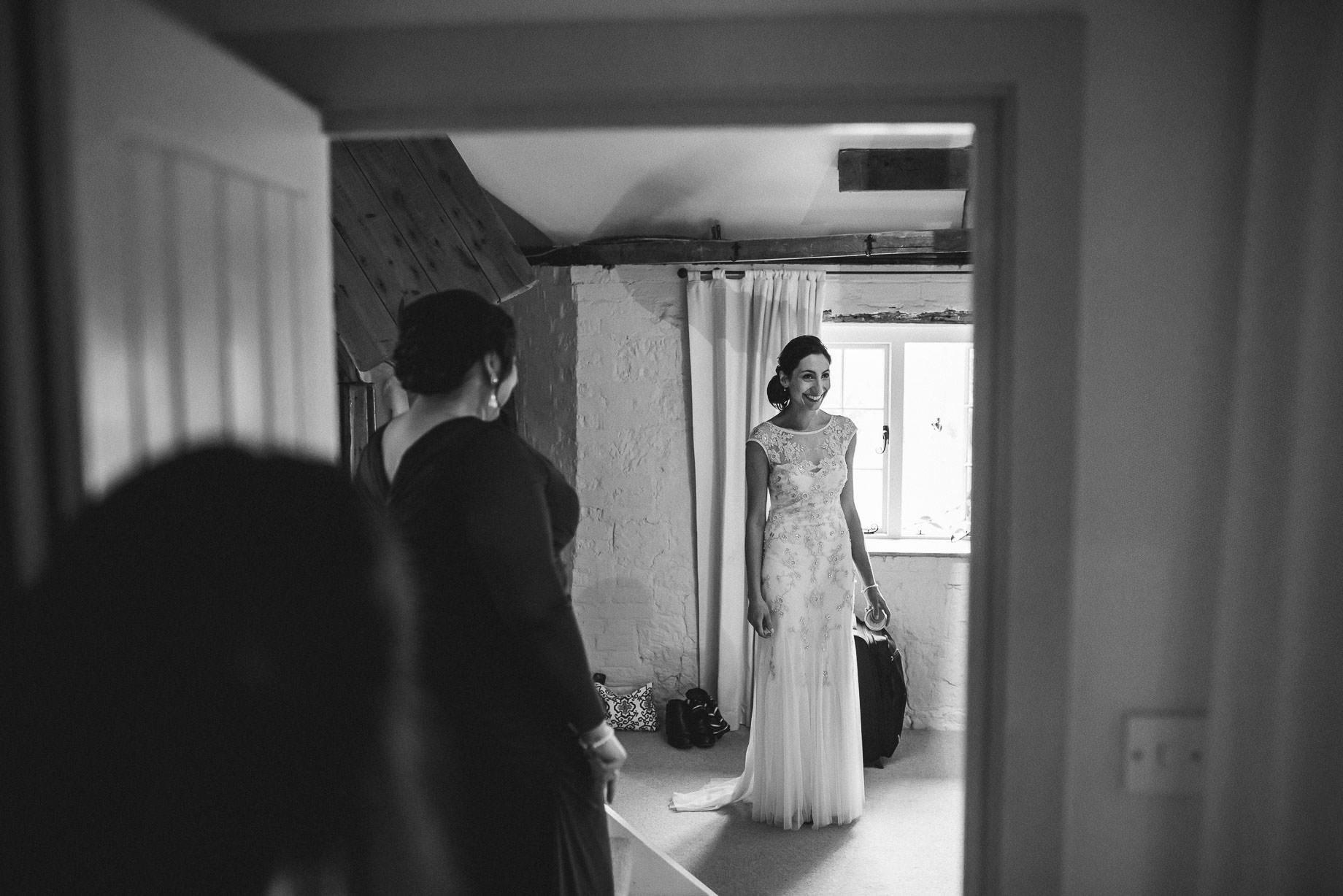 bury-court-barn-wedding-photography-guy-collier-photography-nadia-tom-31-of-184