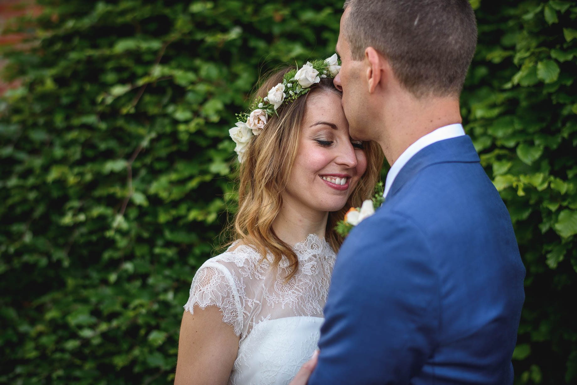 Bury Court Barn wedding photography by Guy Collier - Jo and Jamie (144 of 160)