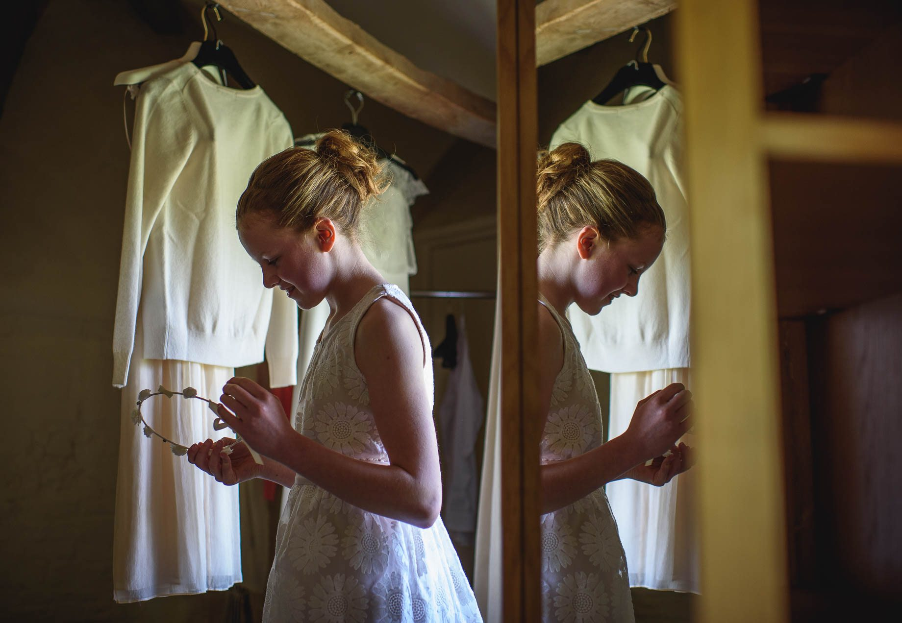 Bury Court Barn wedding photography by Guy Collier - Jo and Jamie (35 of 160)