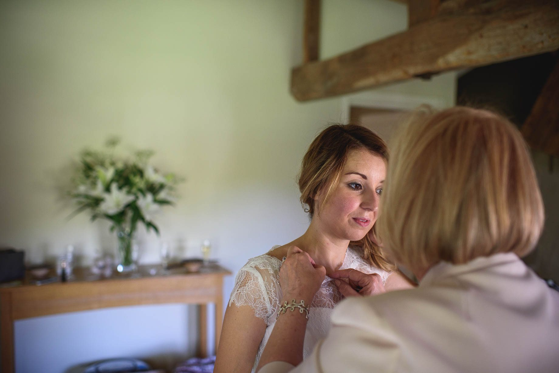 Bury Court Barn wedding photography by Guy Collier - Jo and Jamie (39 of 160)