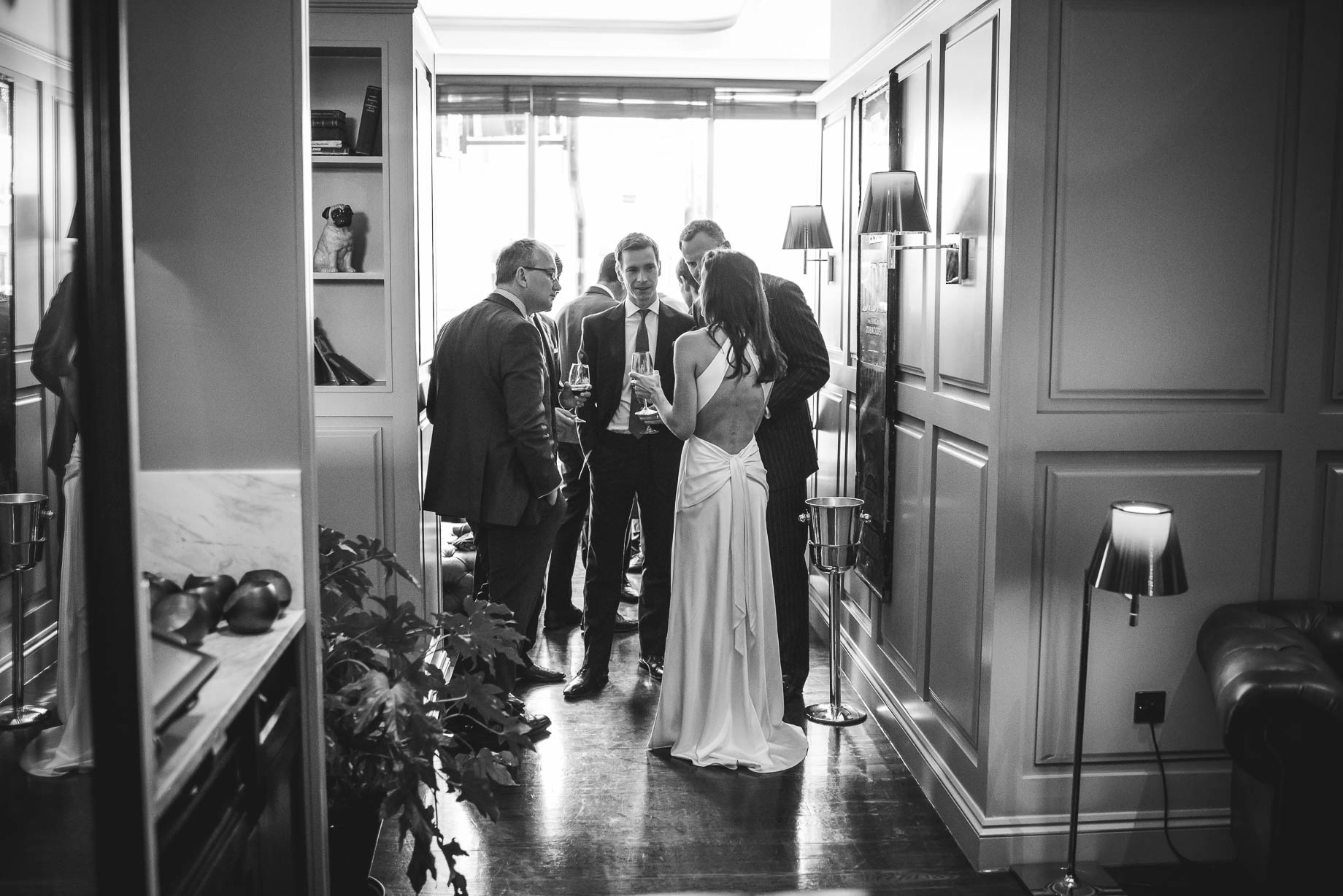 Chelsea and Mayfair wedding photography - Guy Collier - Vicki and Damien (110 of 126)