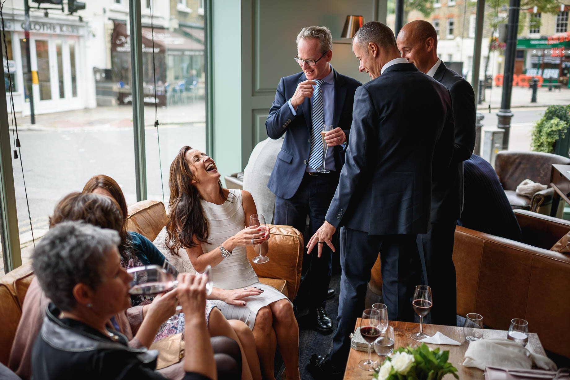 Chelsea-and-Mayfair-wedding-photography-Guy-Collier-Vicki-and-Damien-122-of-126
