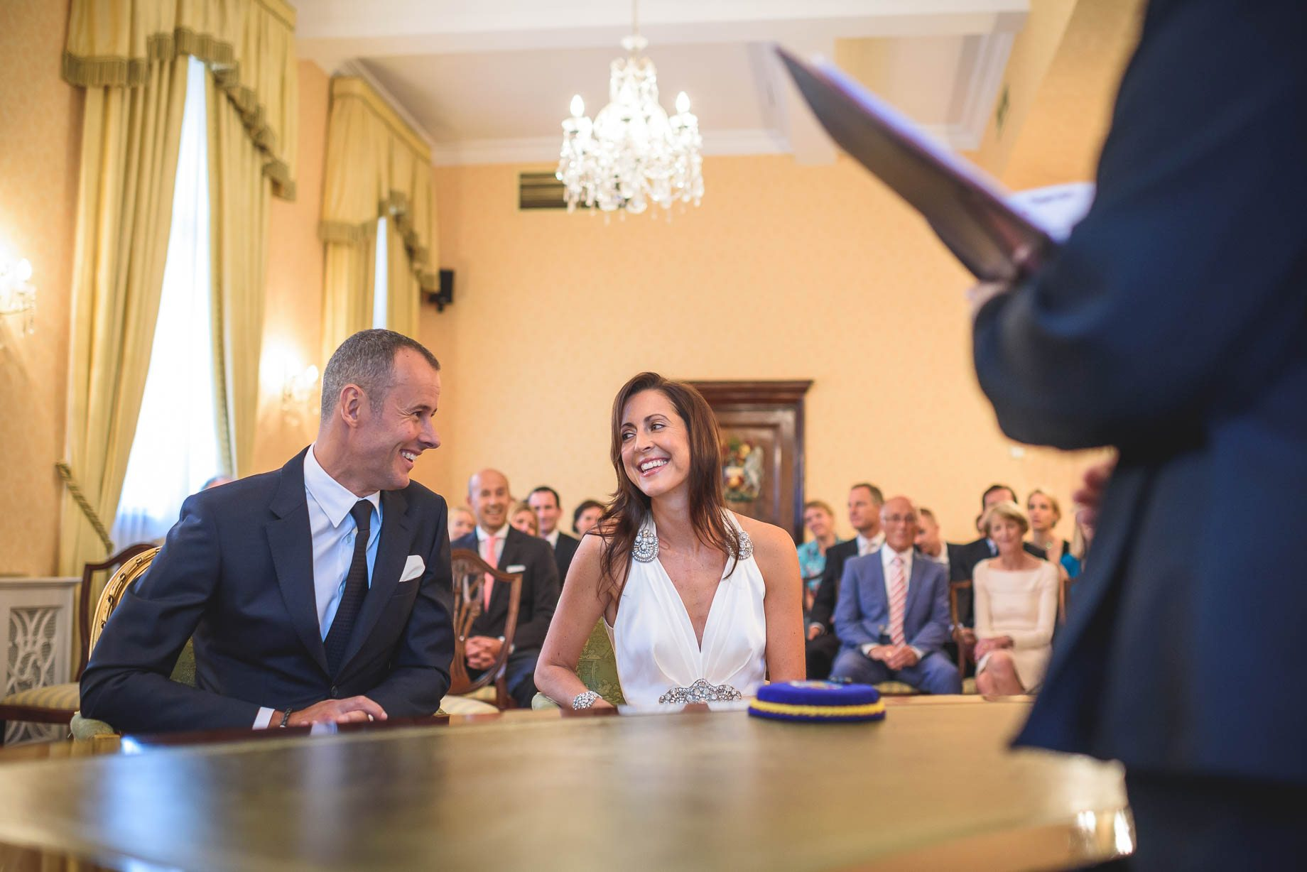 Chelsea-and-Mayfair-wedding-photography-Guy-Collier-Vicki-and-Damien-54-of-126