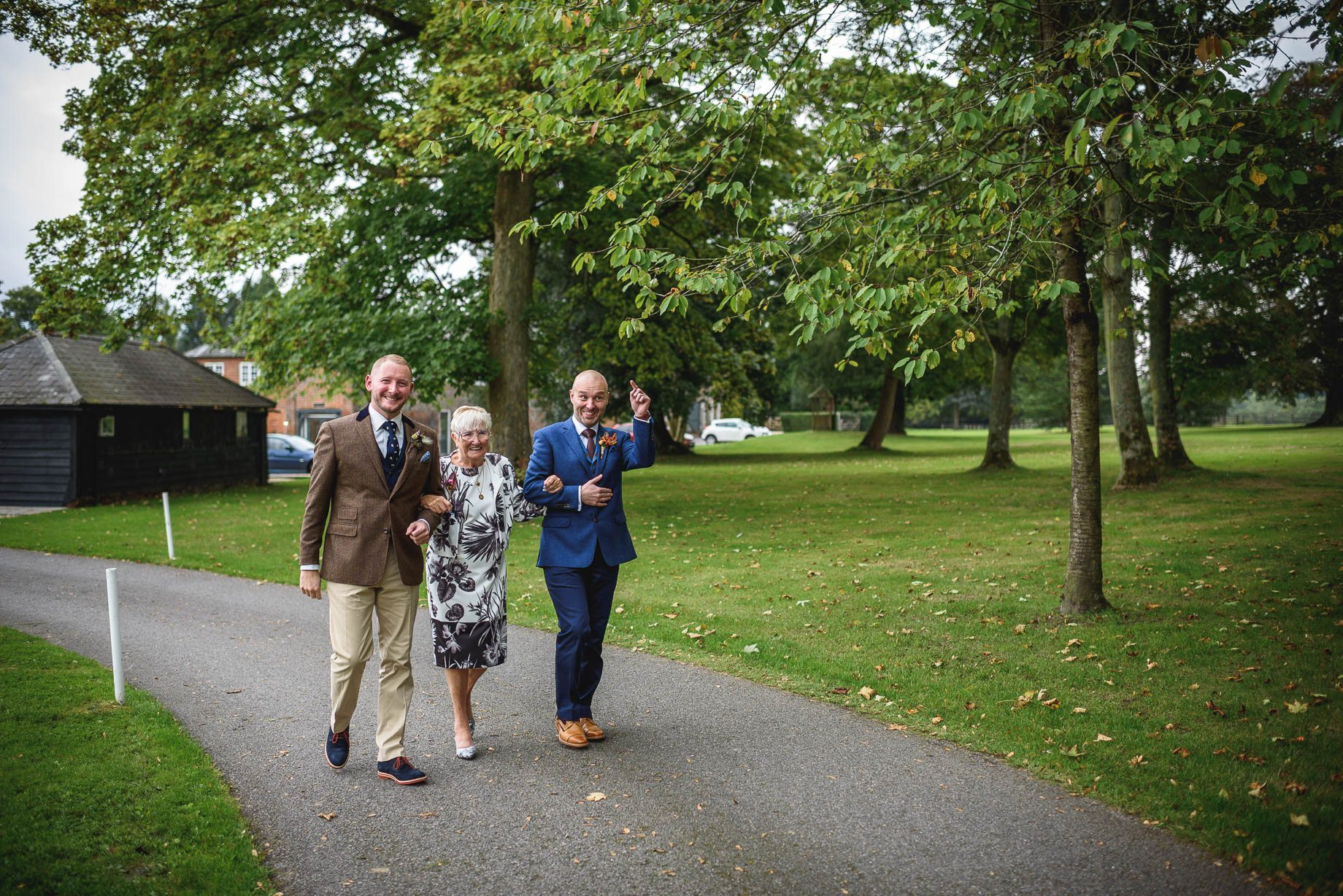 gay-wedding-photography-at-wasing-park-guy-collier-photography-ben-and-stephen-34-of-202