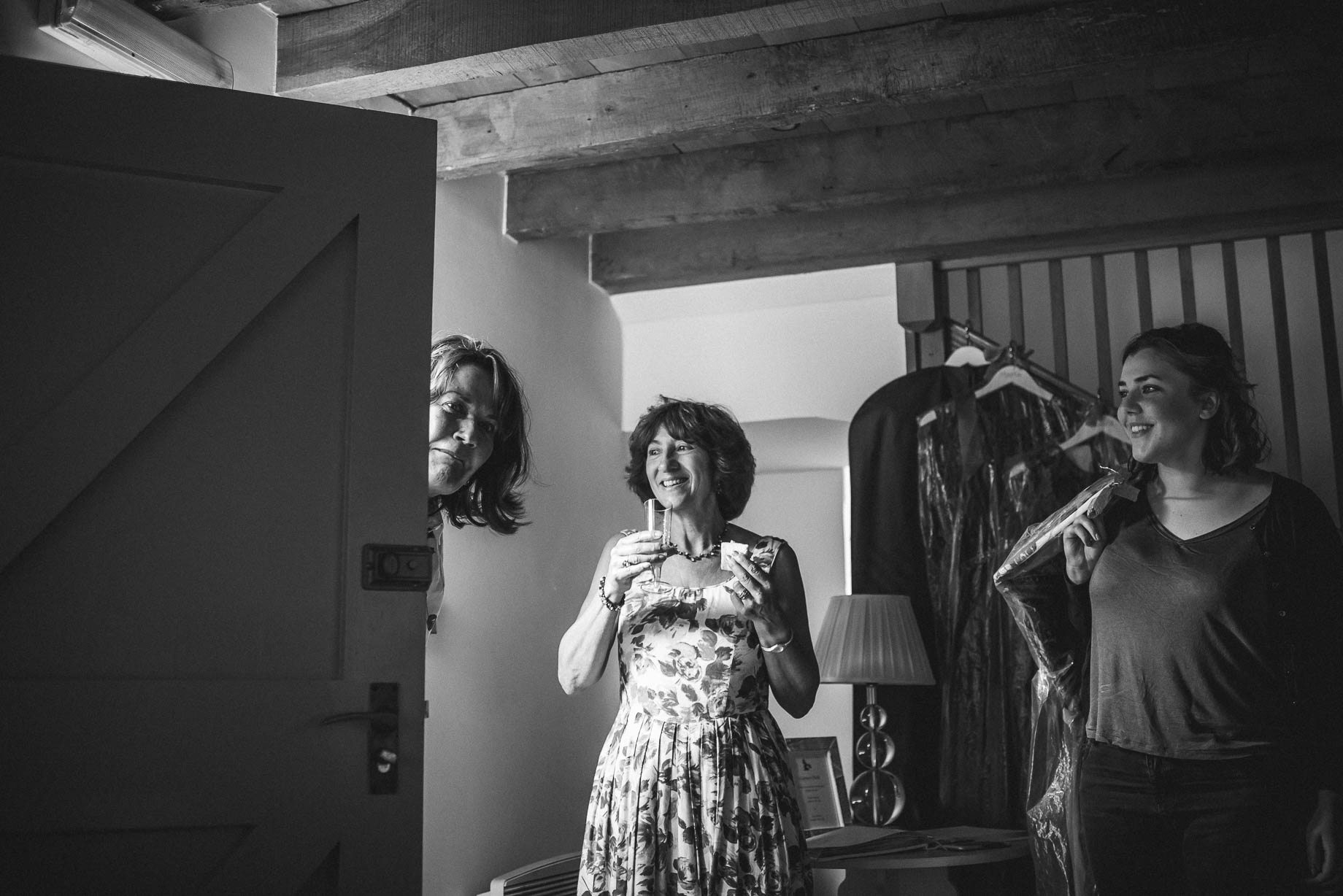 Gaynes Park wedding photography - Guy Collier Photography - Rachel and Jon (30 of 169)