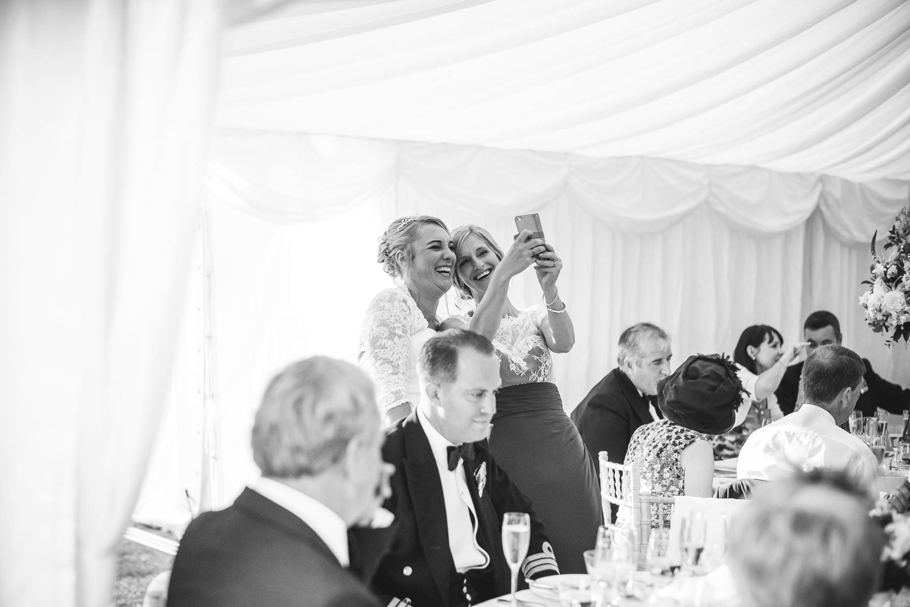 Hampshire wedding photography - Emily and Rob - Guy Collier Photography (146 of 192)