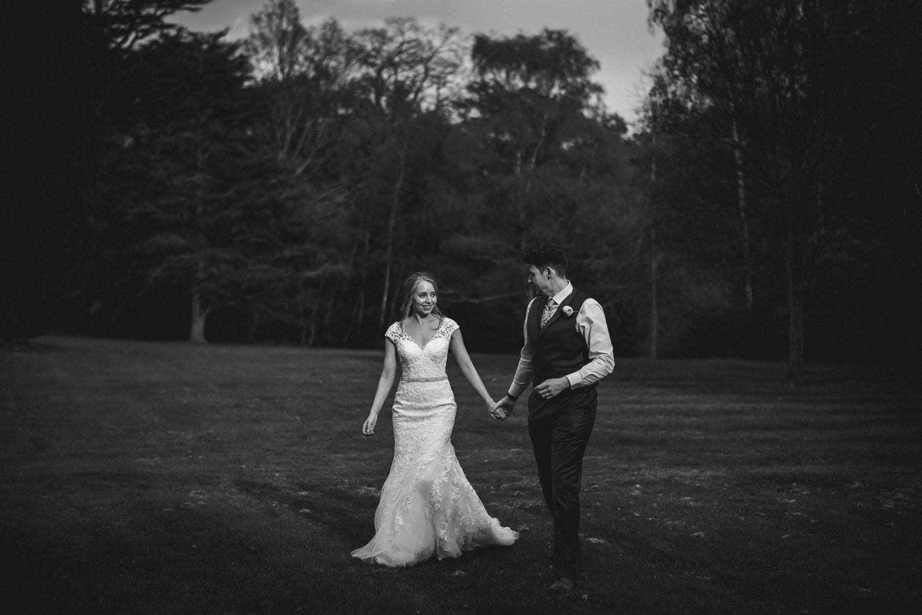 Hampshire wedding photography by Guy Collier - Emily and Tom (133 of 164)