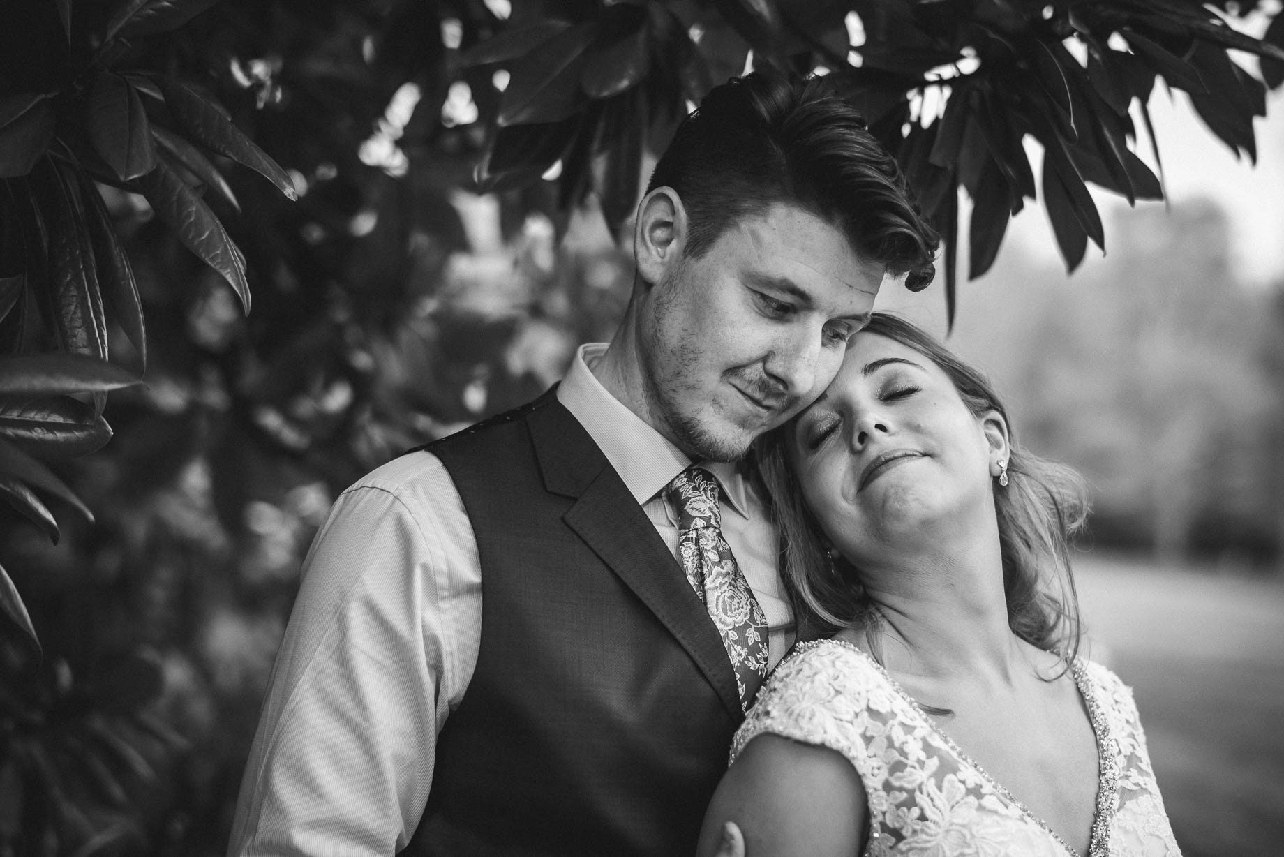 Hampshire wedding photography by Guy Collier - Emily and Tom (135 of 164)