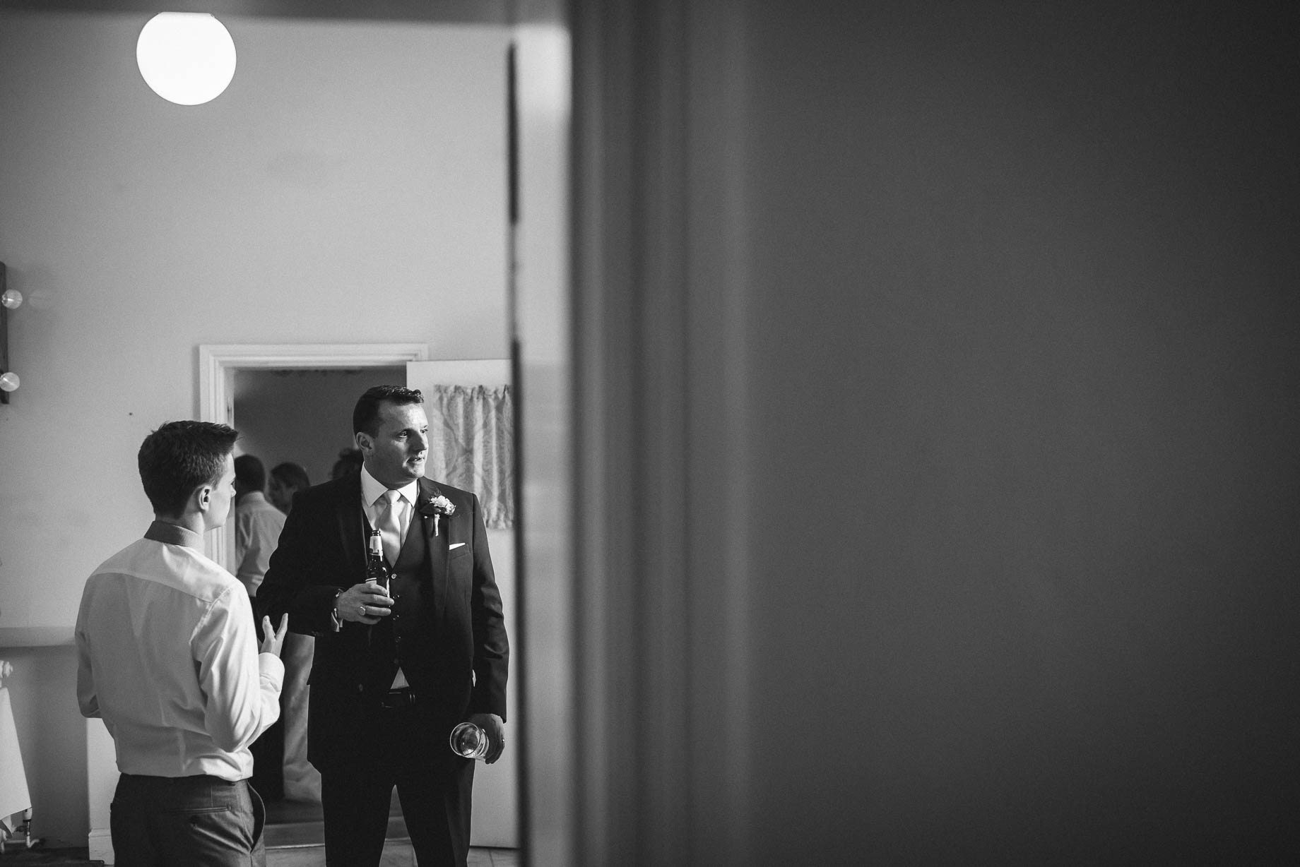 Hampshire wedding photography by Guy Collier - Emily and Tom (149 of 164)