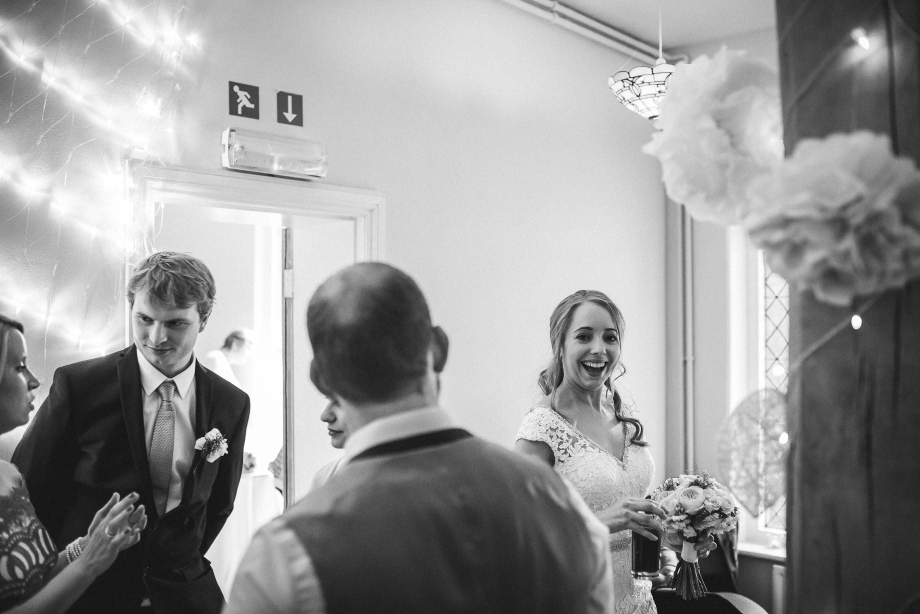 Hampshire wedding photography by Guy Collier - Emily and Tom (151 of 164)