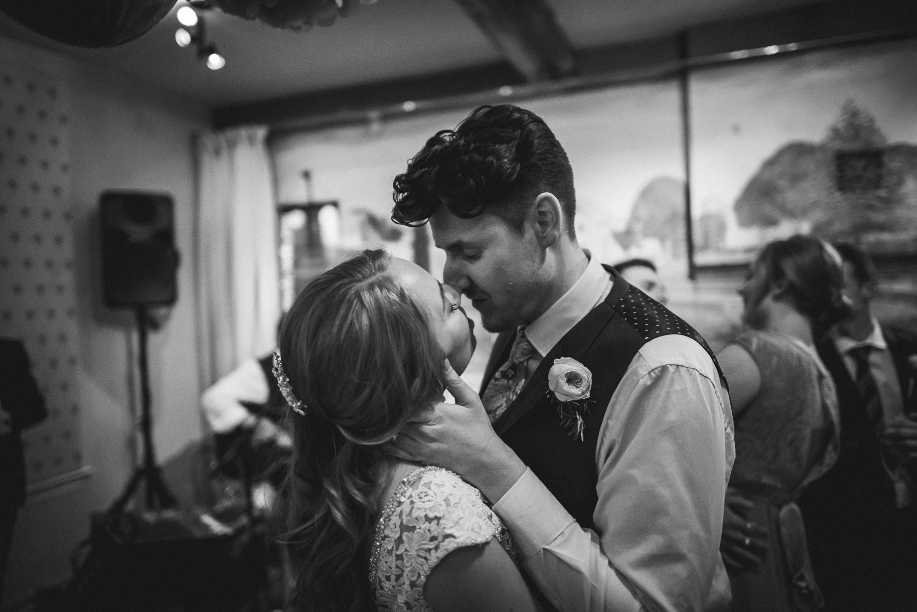Hampshire wedding photography by Guy Collier - Emily and Tom (163 of 164)