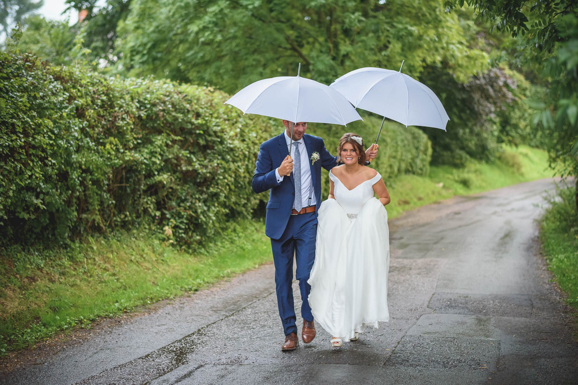 Hampshire wedding photography in Romsey - Guy Collier Photography - Daisy and Jools (188 of 204)