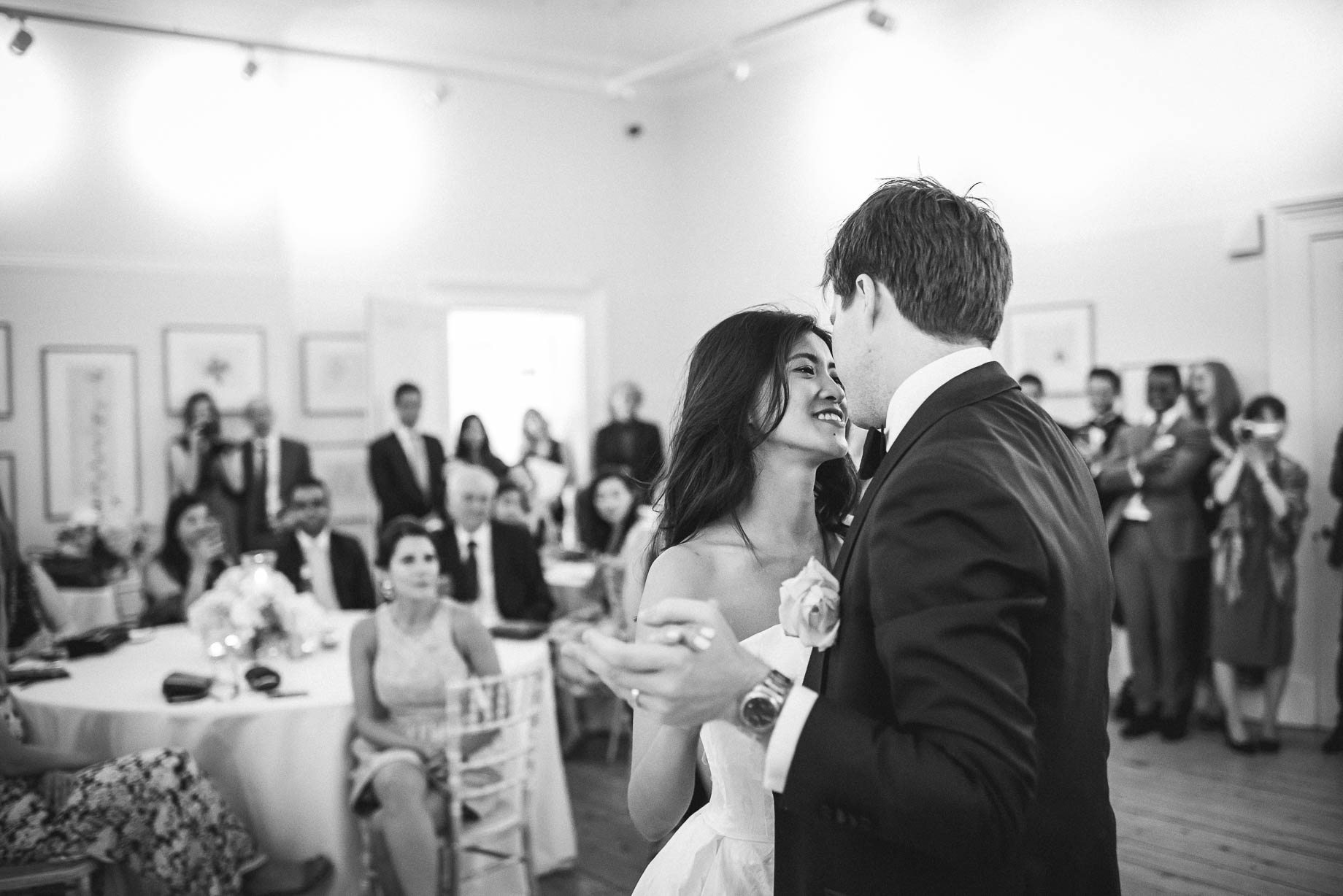Kew Gardens wedding photography - Guy Collier Photography - Gloria and Frederik (171 of 173)