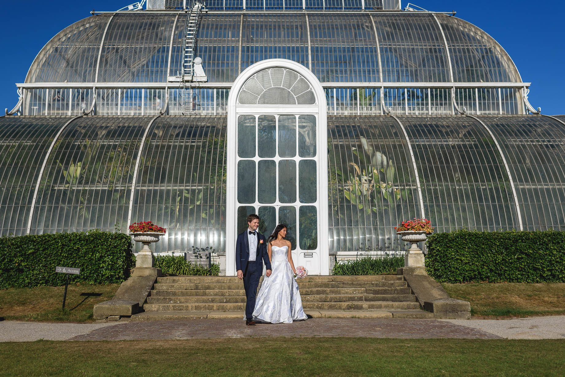 Kew Gardens wedding photography - Guy Collier Photography - Gloria and Frederik (87 of 173)