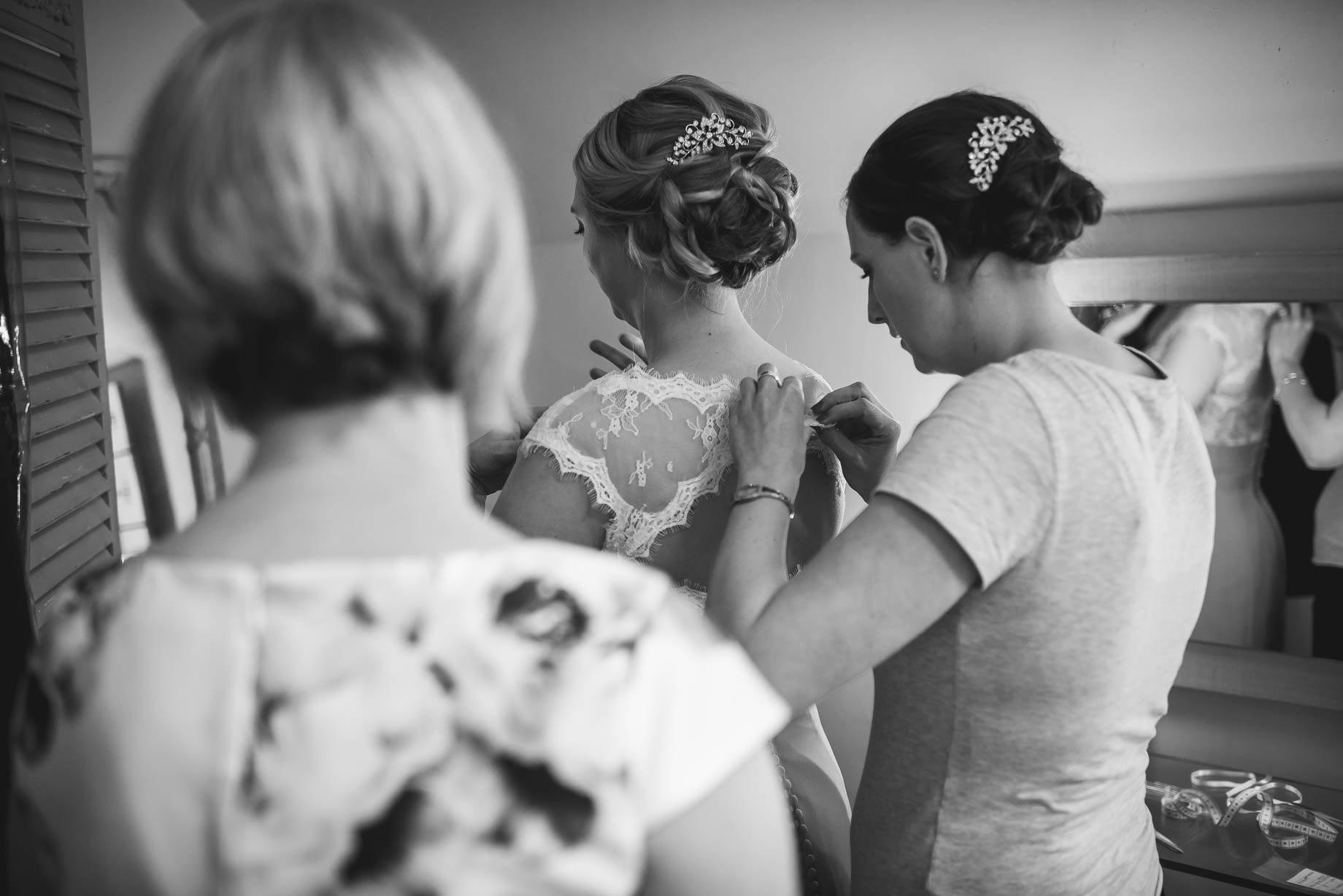 Millbridge Court Wedding Photography - Lisa and Daniel (30 of 173)