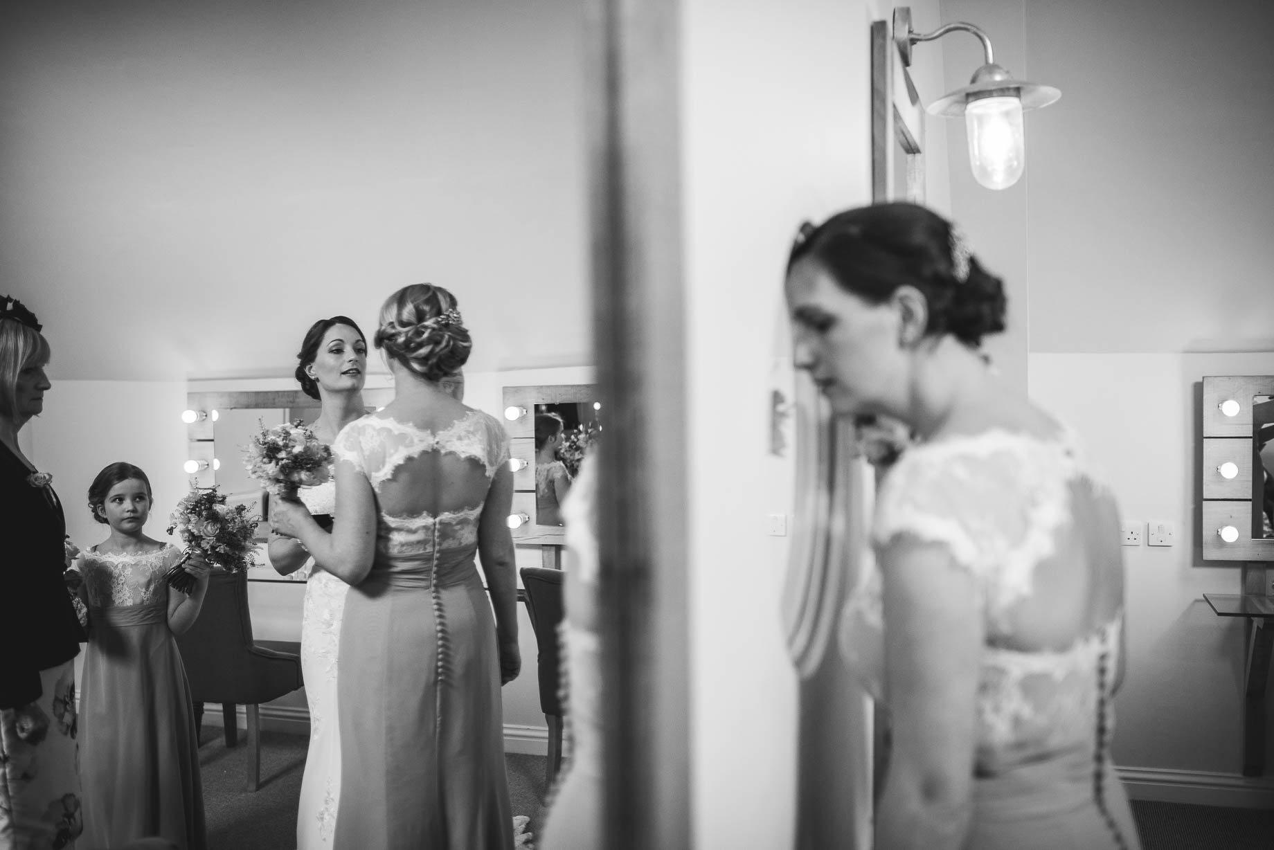 Millbridge Court Wedding Photography - Lisa and Daniel (52 of 173)
