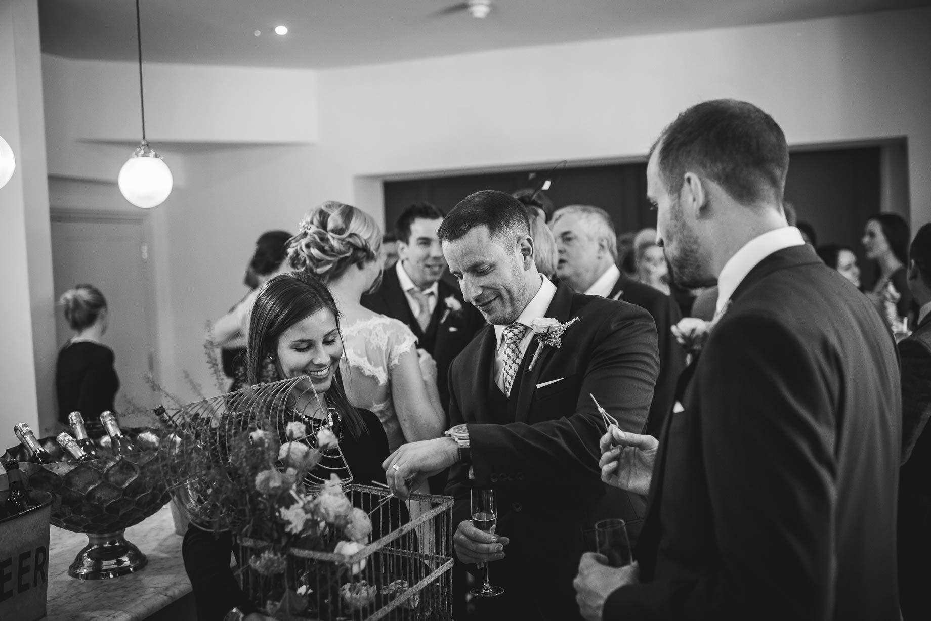 Millbridge Court Wedding Photography - Lisa and Daniel (82 of 173)