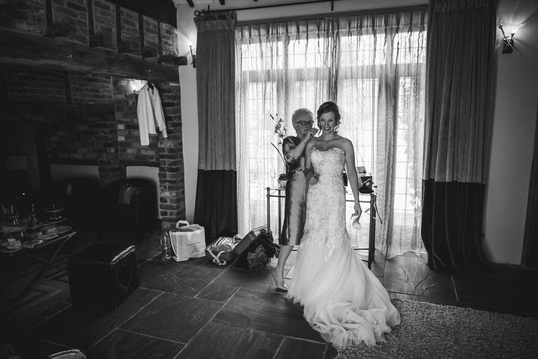 Rivervale Barn wedding photography by Guy Collier - Claire and Simon (37 of 133)