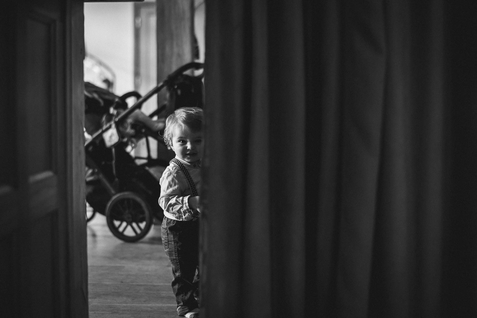 Rivervale Barn wedding photography by Guy Collier - Claire and Simon (98 of 133)