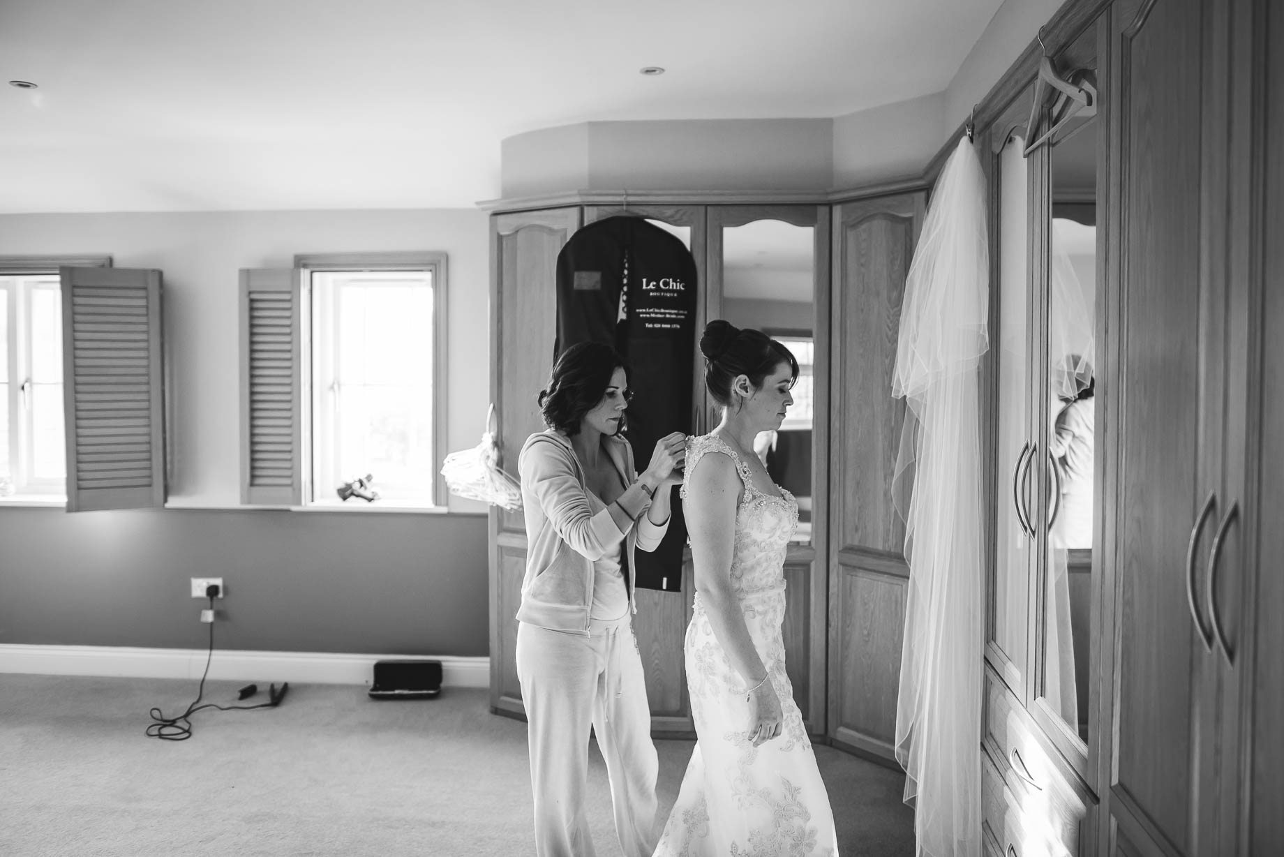 Surrey Wedding Photography - Emily and Pete by Guy Collier Photography (28 of 171)