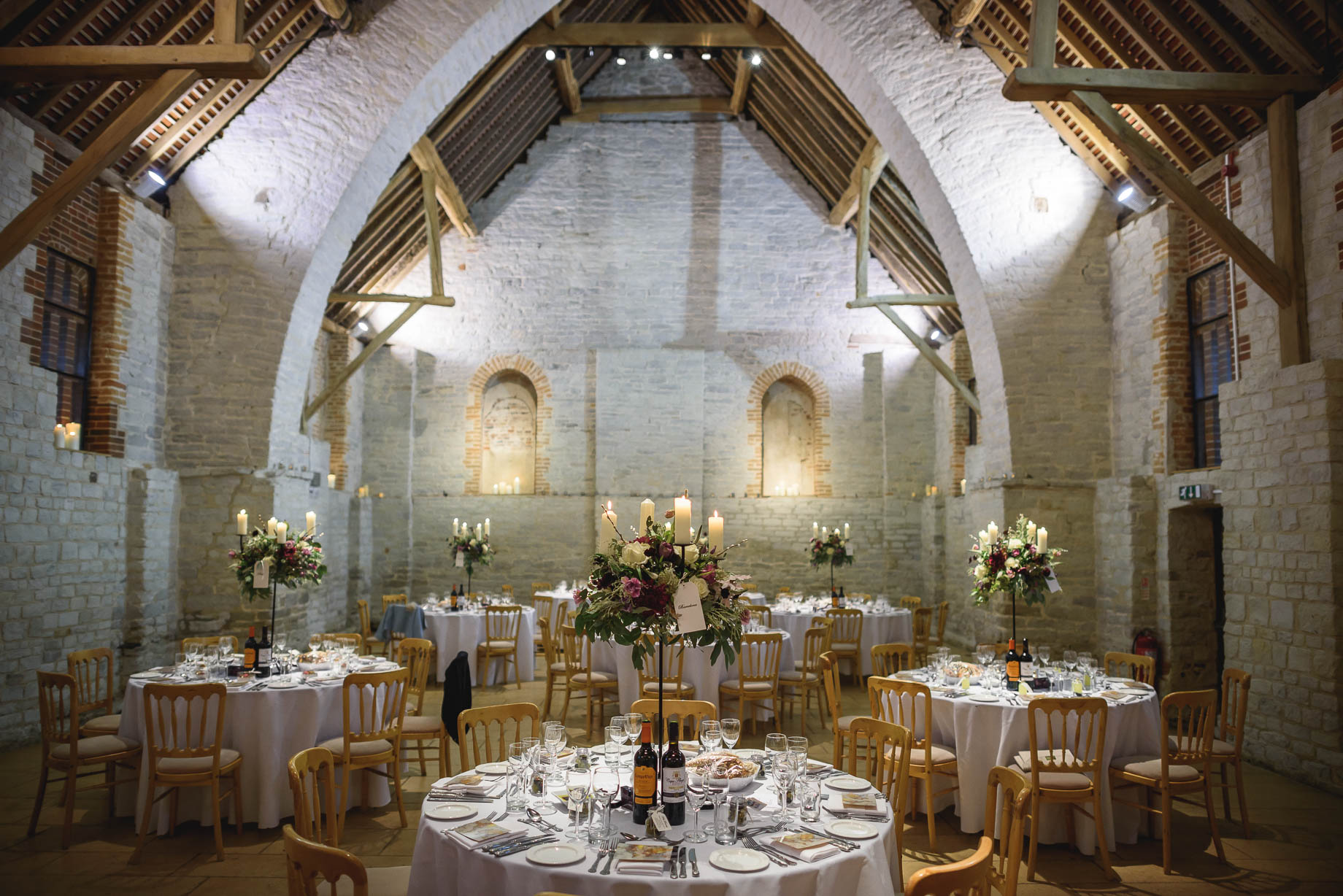 tithe-barn-and-winchester-wedding-photography-guy-collier-victoria-and-lewis-144-of-197