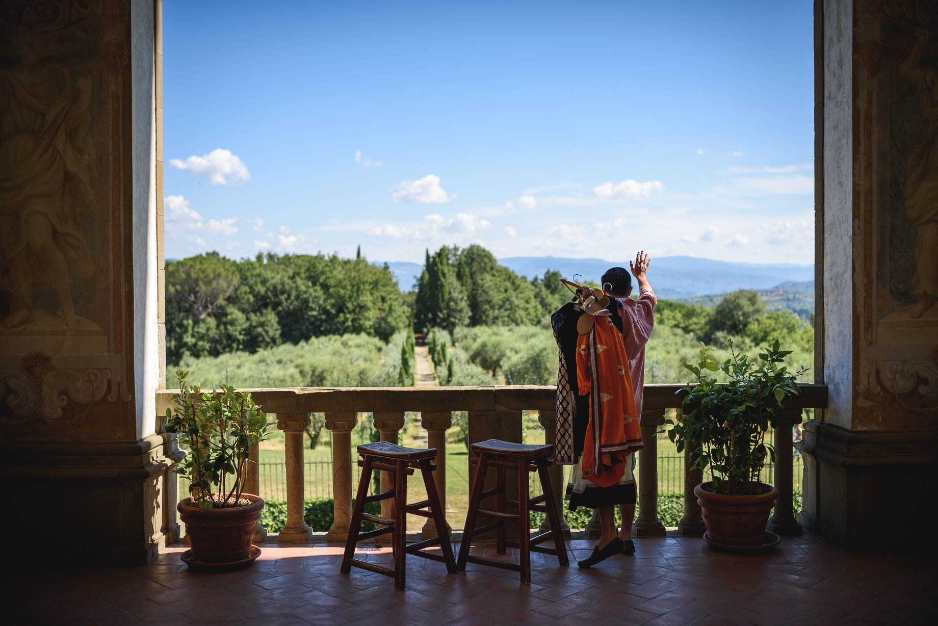 Tuscany wedding photography - Roisin and Moubin - Guy Collier Photography (10 of 194)