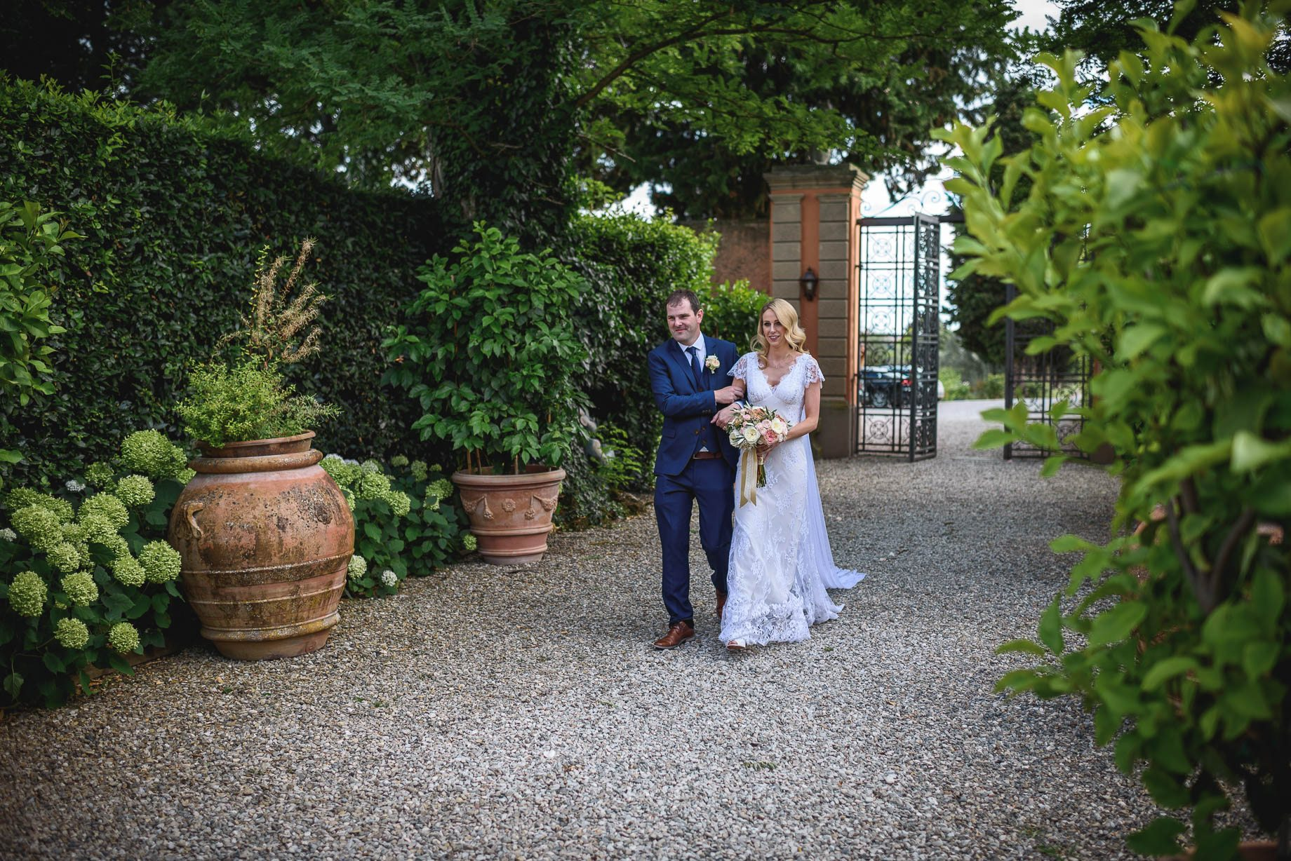 Tuscany wedding photography - Roisin and Moubin - Guy Collier Photography (104 of 251)