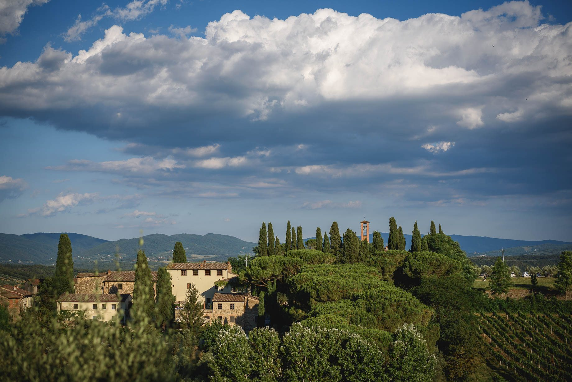 Tuscany wedding photography - Roisin and Moubin - Guy Collier Photography (130 of 194)