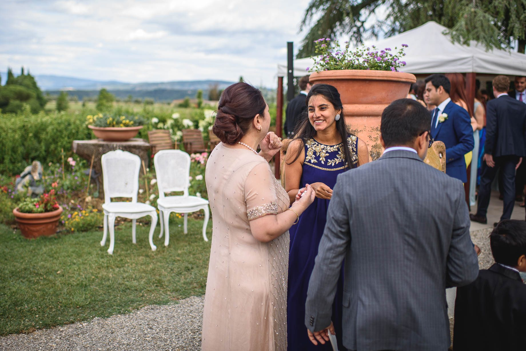 Tuscany wedding photography - Roisin and Moubin - Guy Collier Photography (133 of 251)