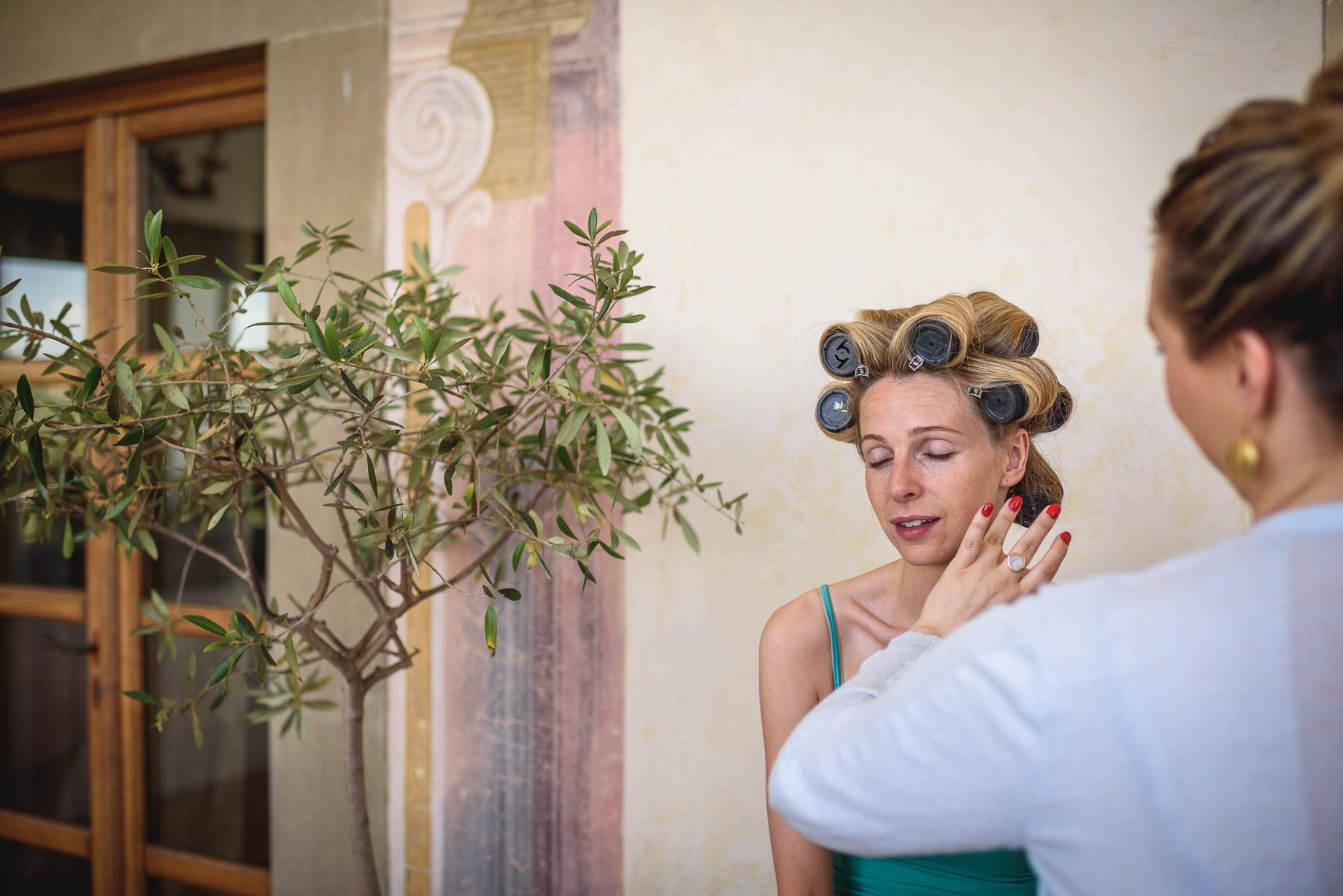 Tuscany wedding photography - Roisin and Moubin - Guy Collier Photography (14 of 194)
