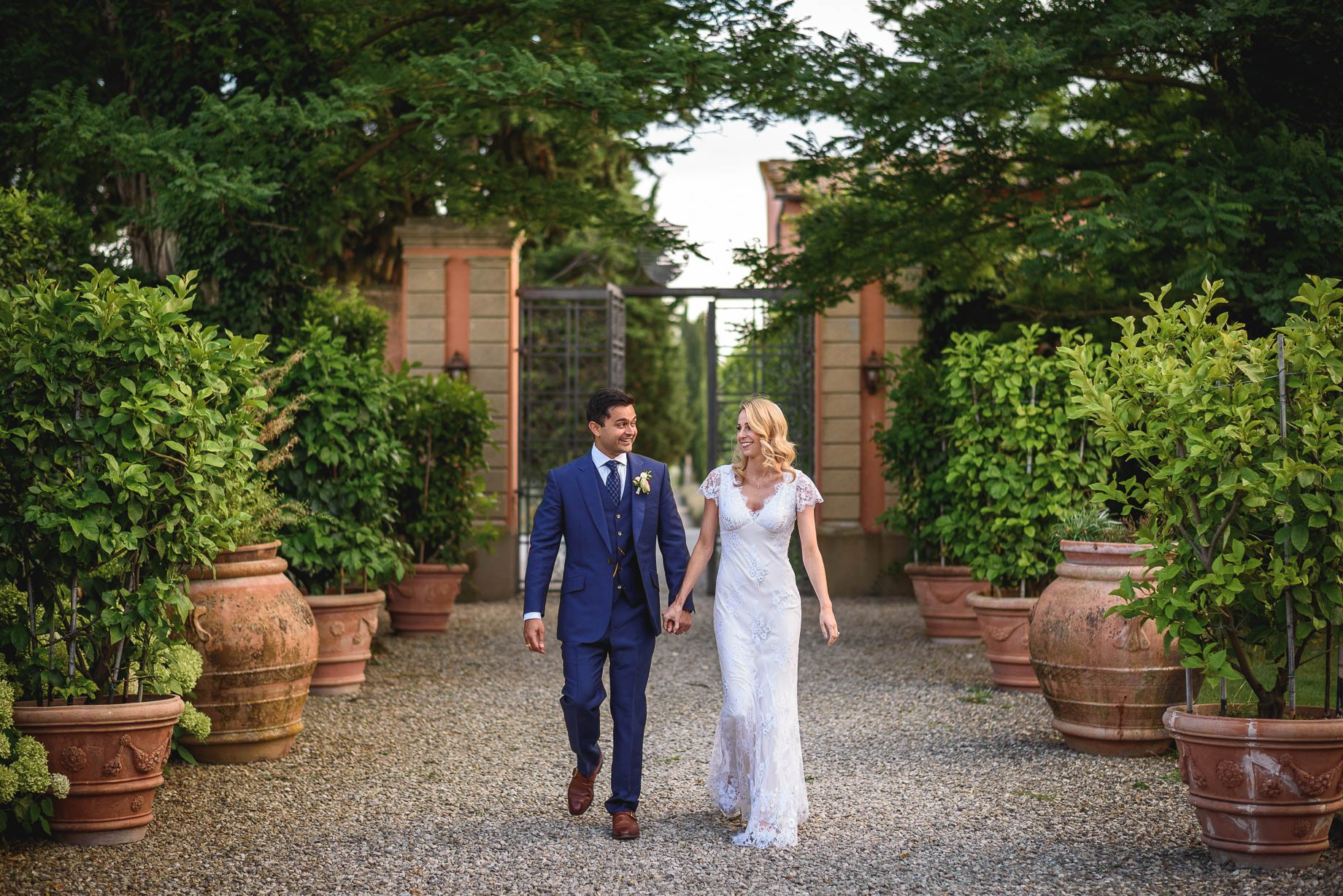 Tuscany wedding photography - Roisin and Moubin - Guy Collier Photography (151 of 251)