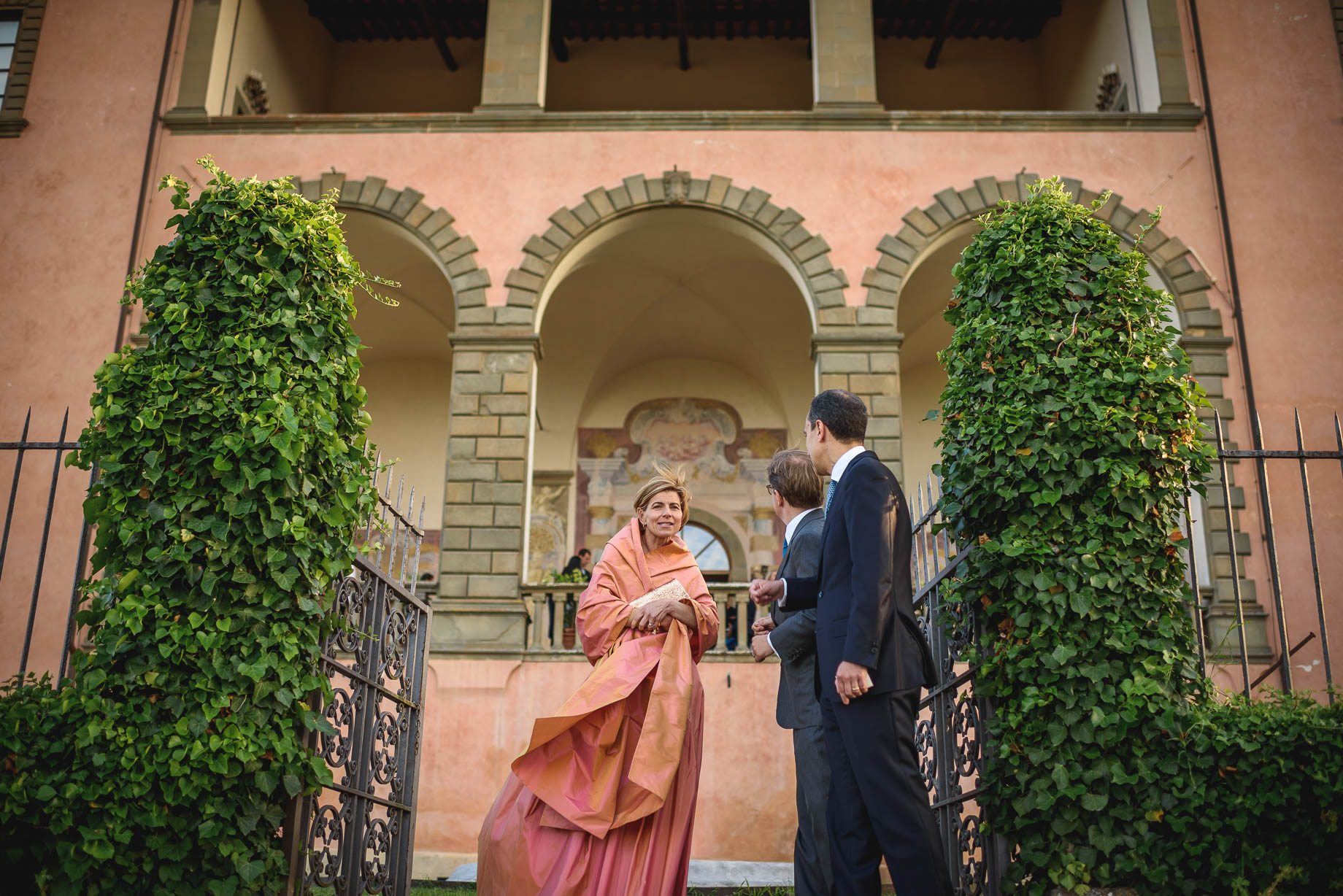 Tuscany wedding photography - Roisin and Moubin - Guy Collier Photography (160 of 251)