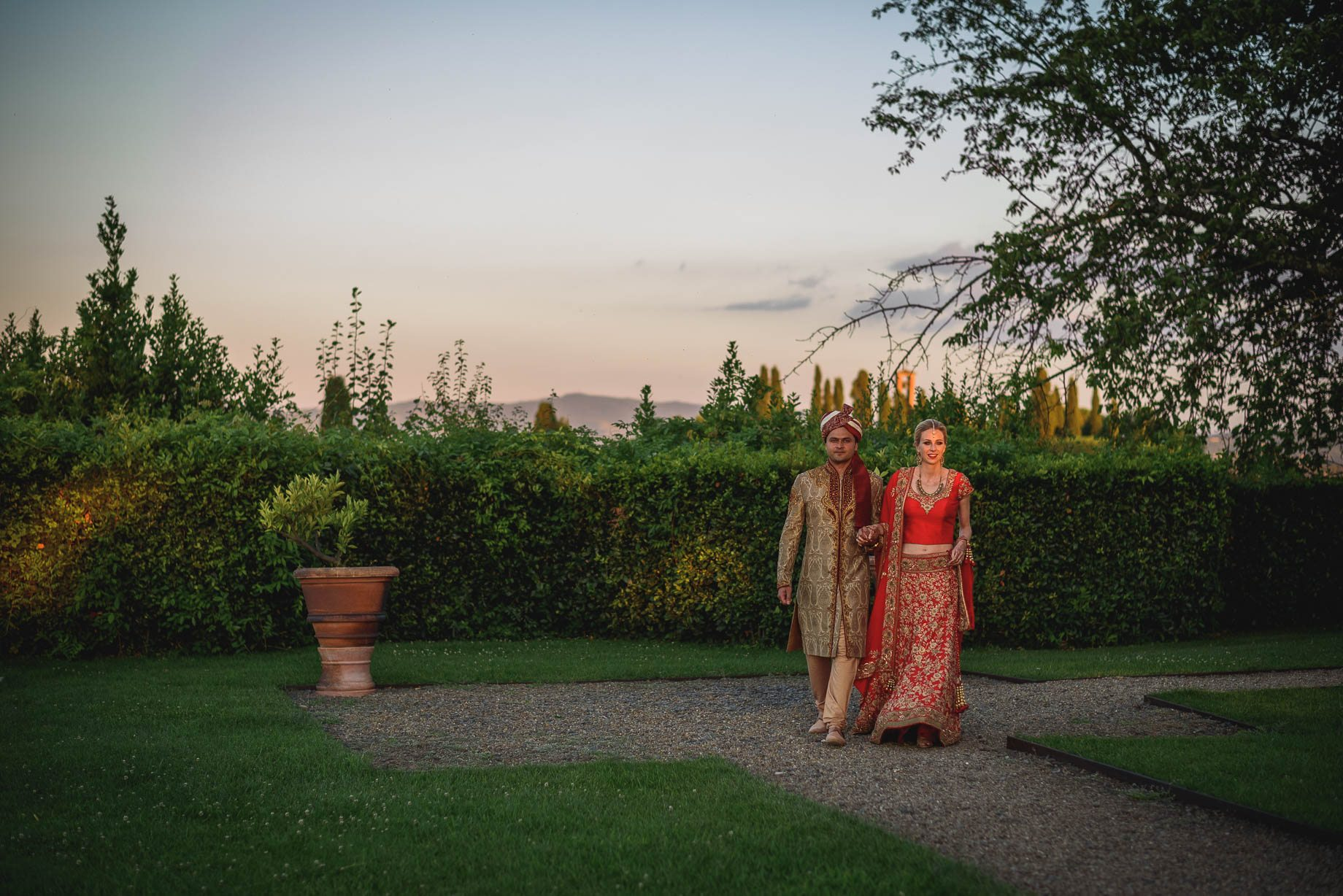 Tuscany wedding photography - Roisin and Moubin - Guy Collier Photography (161 of 194)
