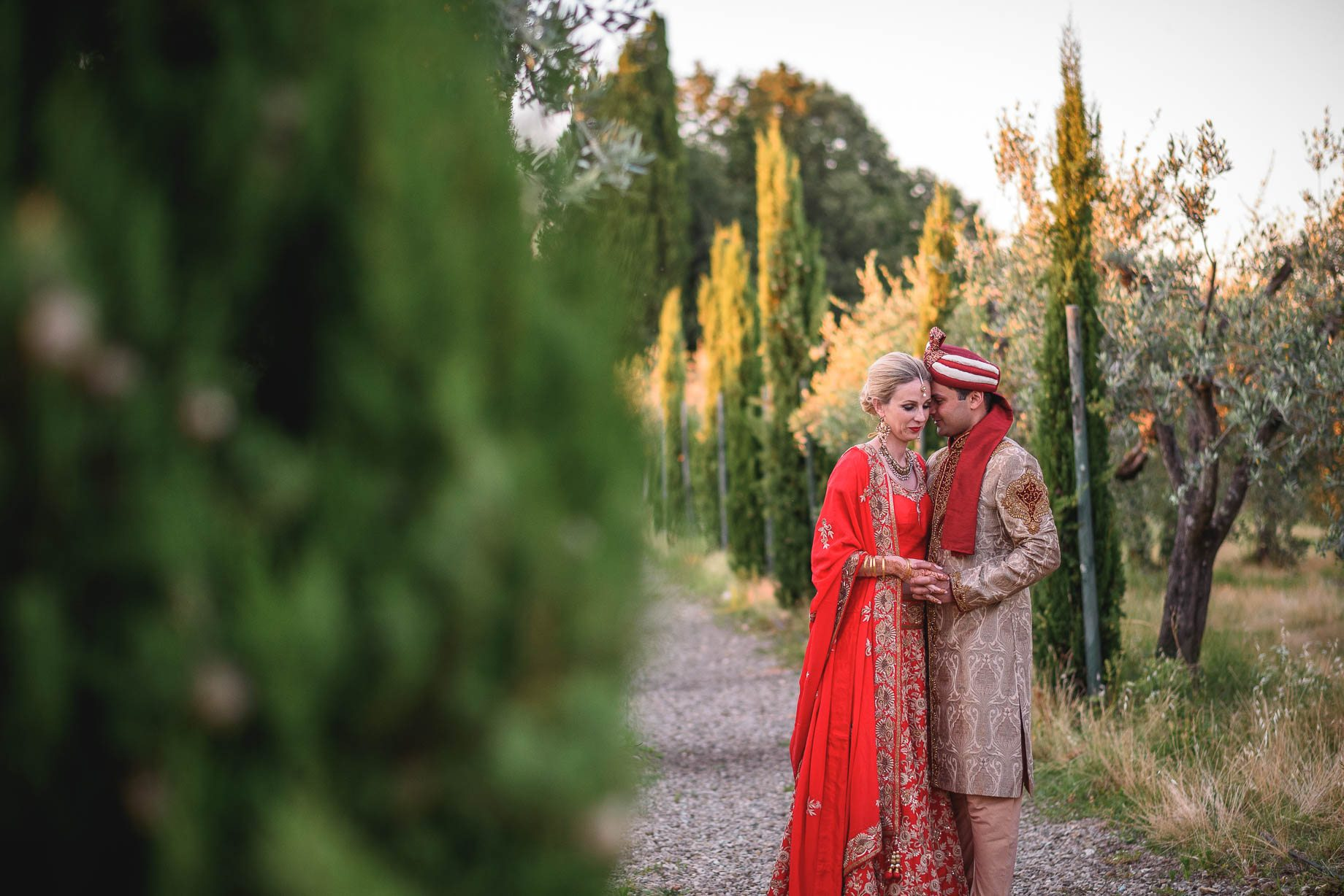 Tuscany wedding photography - Roisin and Moubin - Guy Collier Photography (164 of 194)