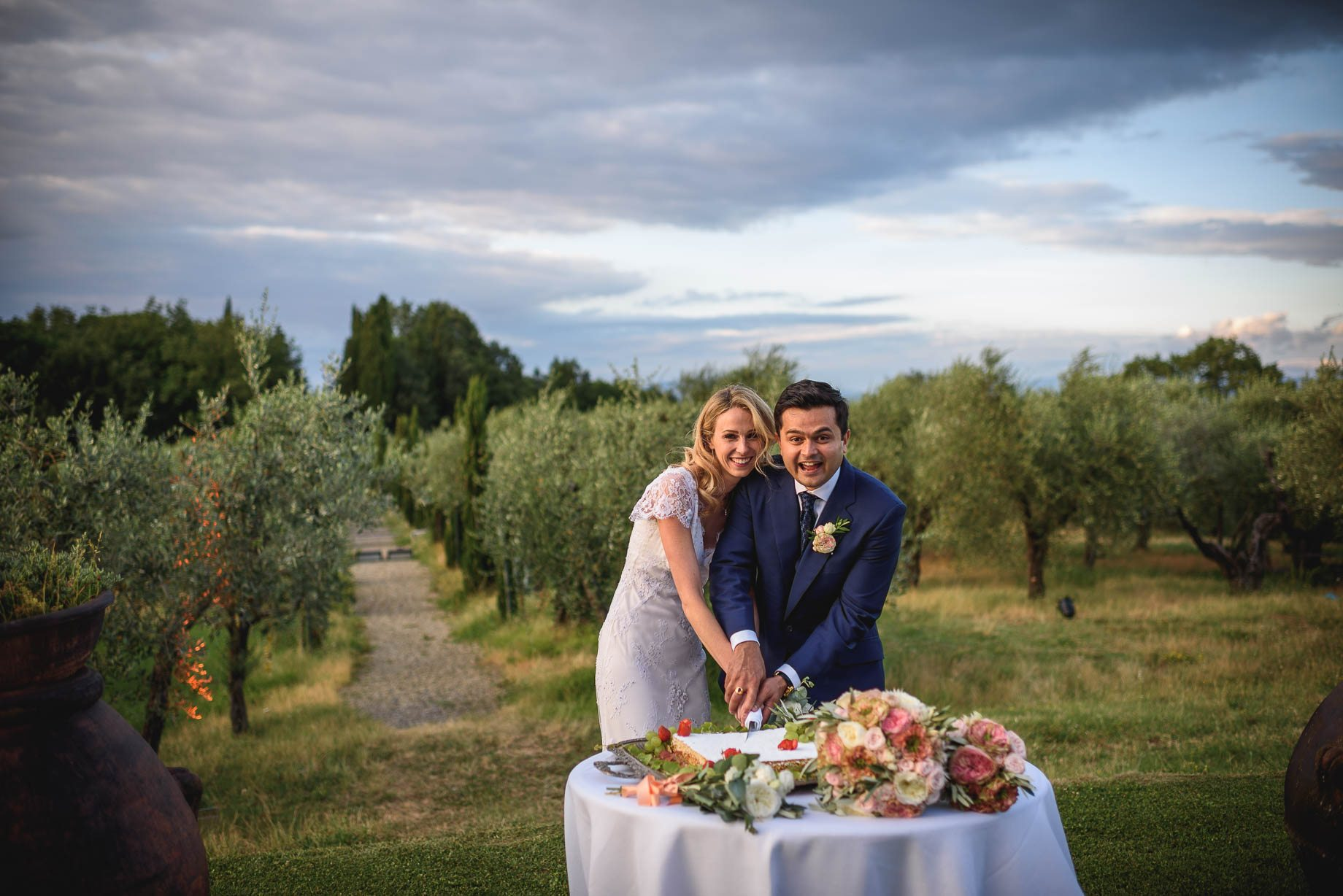 Tuscany wedding photography - Roisin and Moubin - Guy Collier Photography (167 of 251)